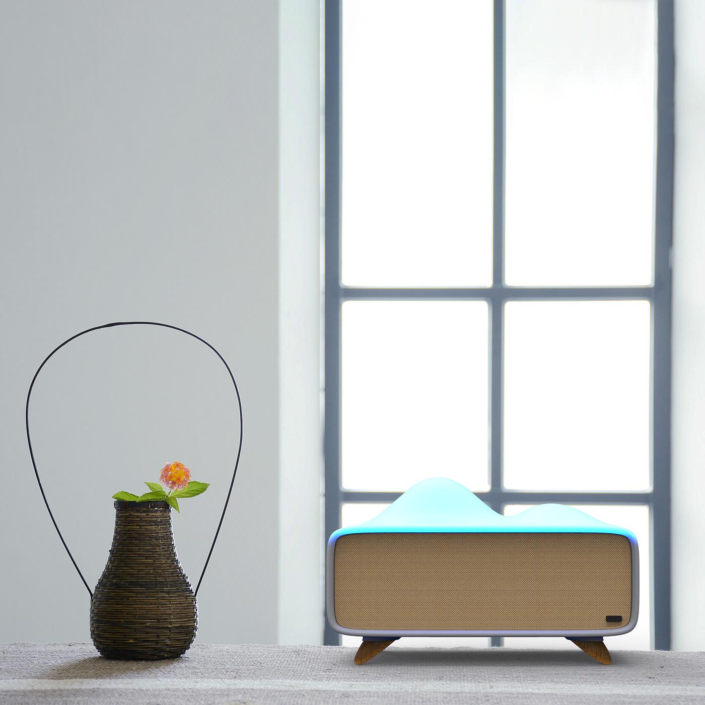 light bluetooth speaker