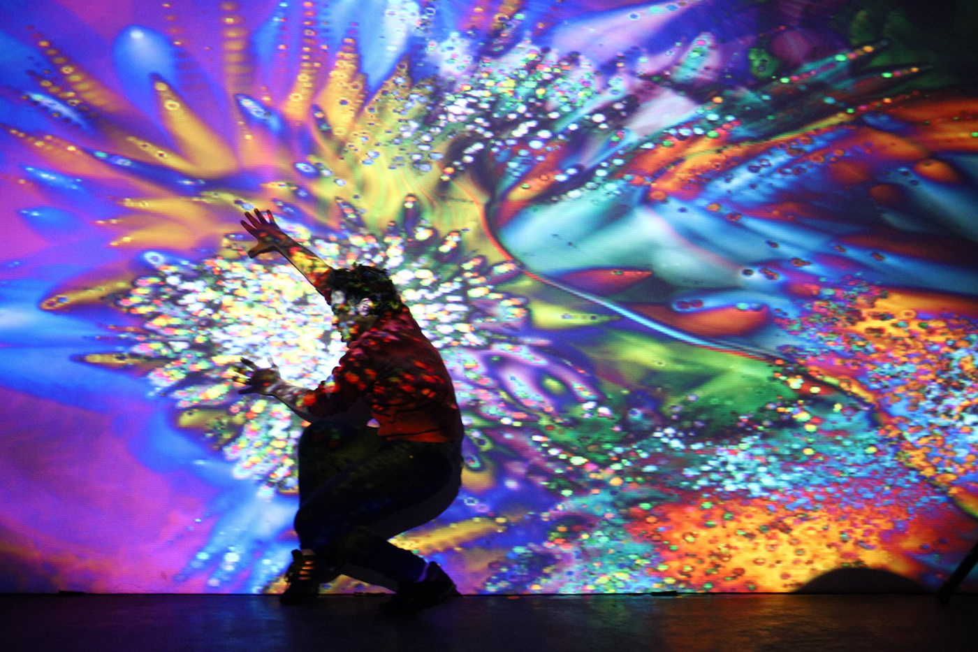 interactive art, live performance, digital art, abstract art, generative art, Maotik, Performer