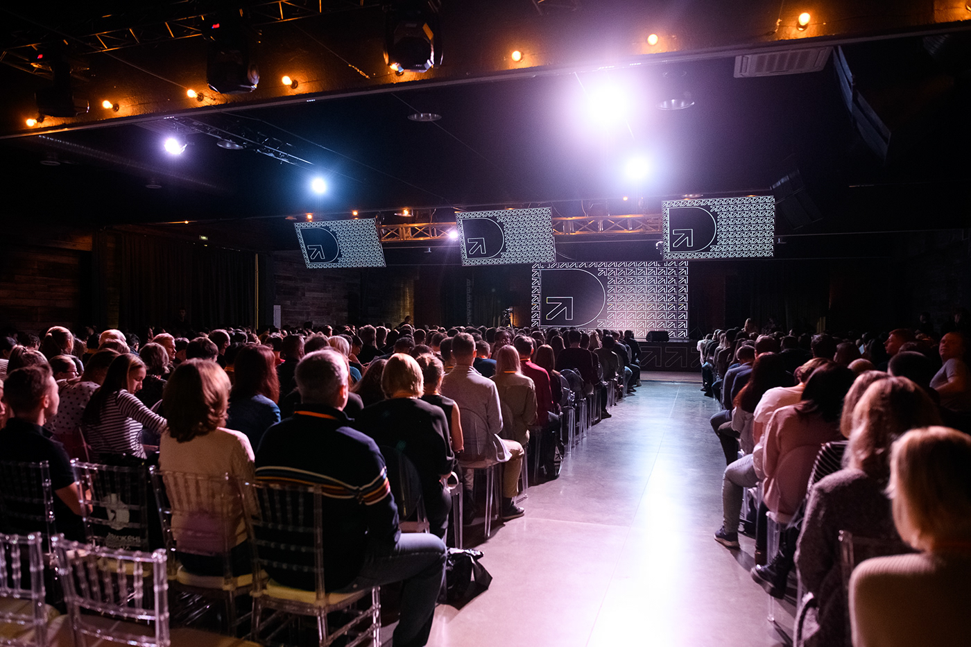 business Education Celebrity orange arrow streetwear Event black