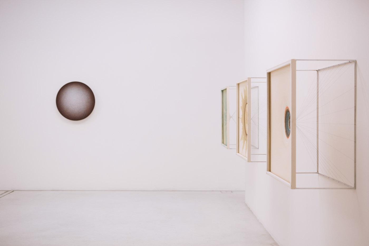 Fashion  White Minimalism modern art gallery Exhibition  model campaign Sunglasses