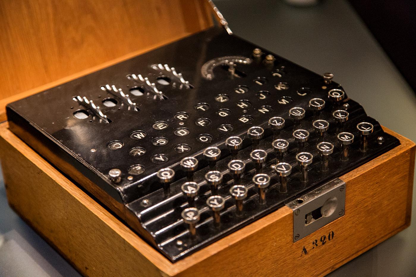 офицеры шифровальная машина энигма картинка напиток, который рекомендуется