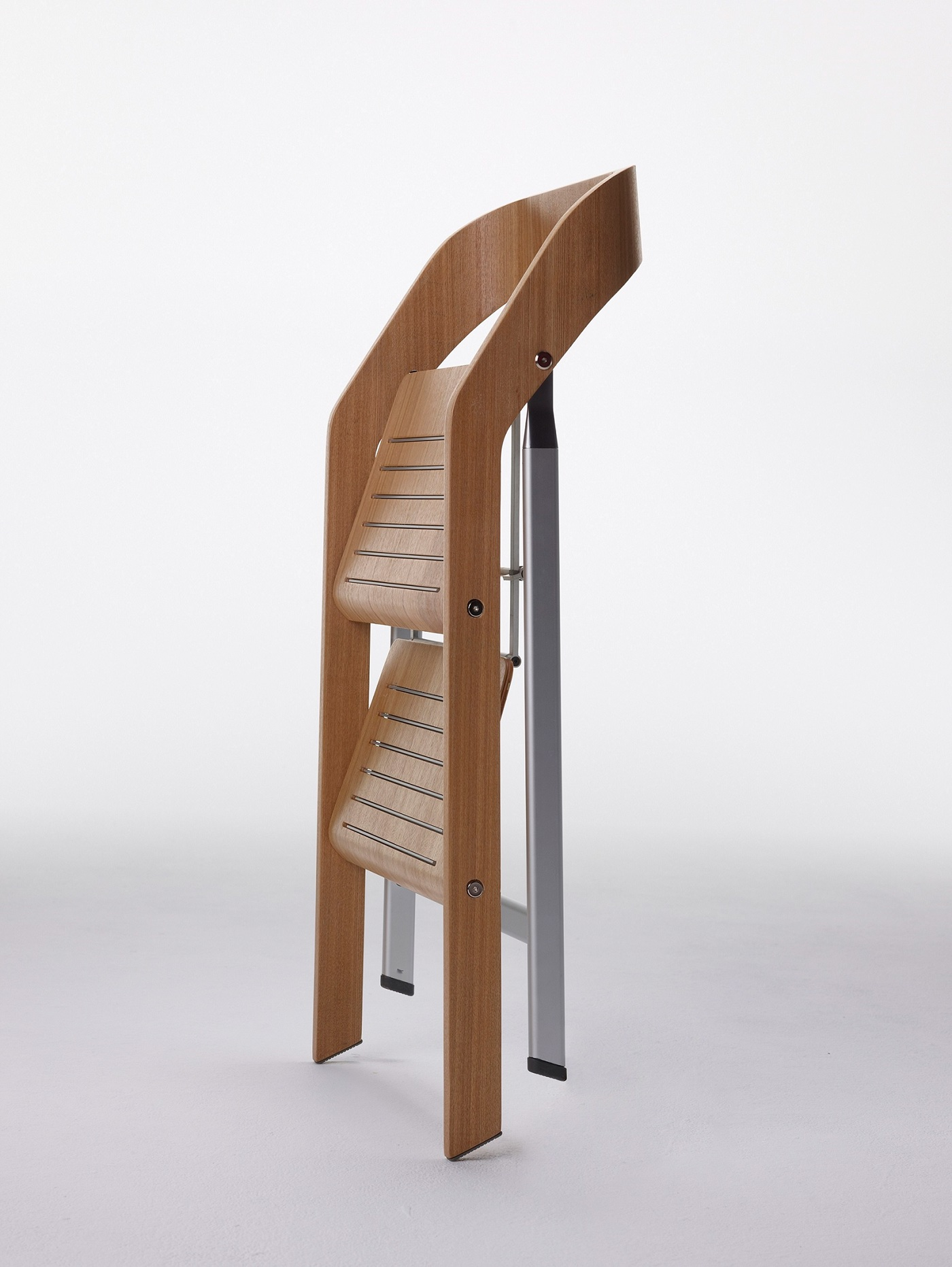 Pleasant Usit Finally A Chair Safe To Climb On Behance Caraccident5 Cool Chair Designs And Ideas Caraccident5Info