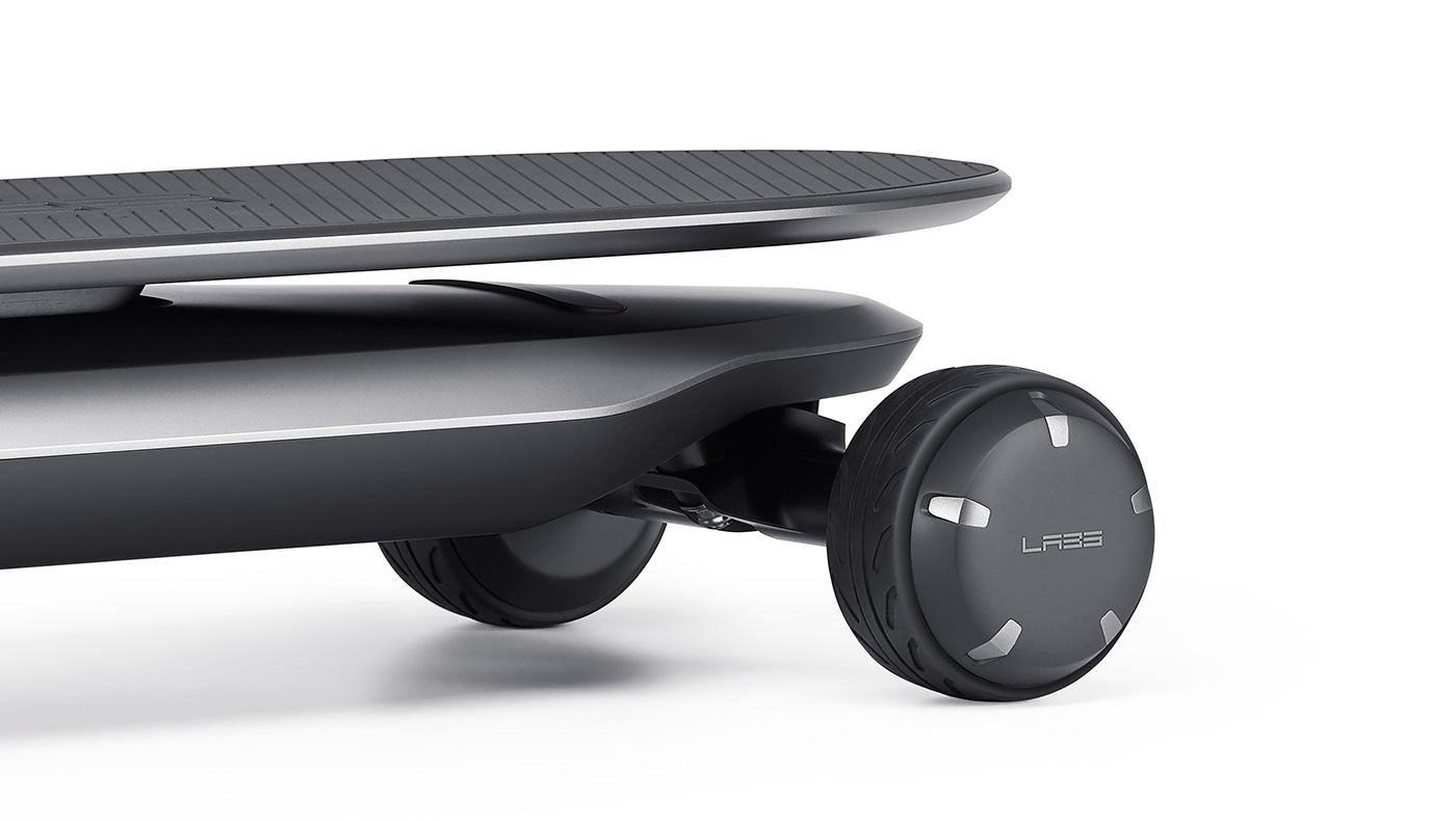제품디자인회사 VLND의 김승우 디자인 디렉터가 디자인한 전동 스케이트보드.
