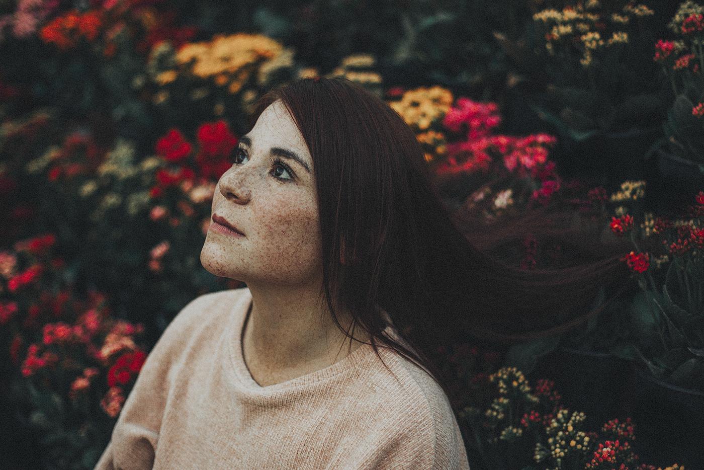 freckles redhair FINEART Natural Light modelo retrato portrait Flowers colors outdoors