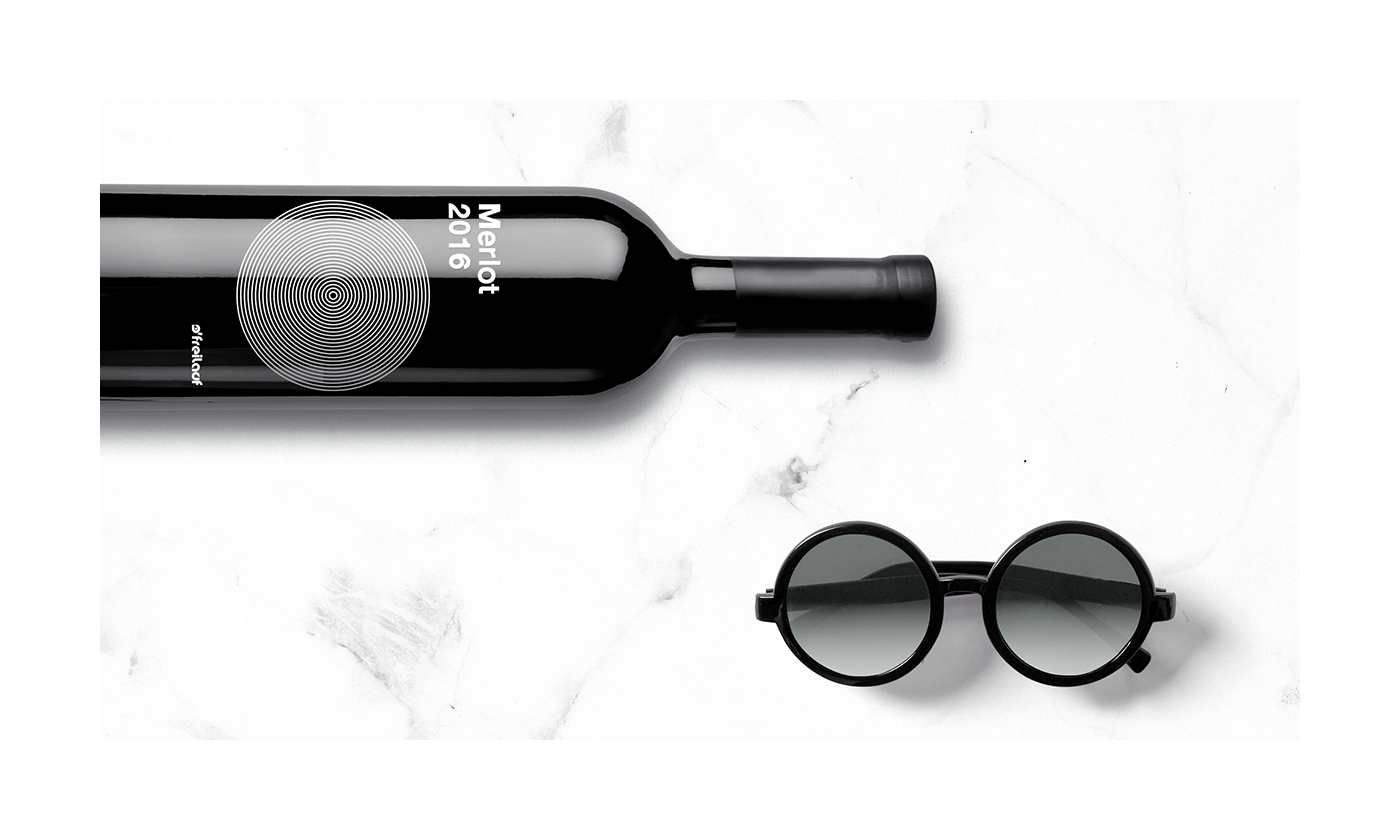 graphicdesign Wines winelabel productdesign minimalistic modernist typography   helvetica blackandwhite