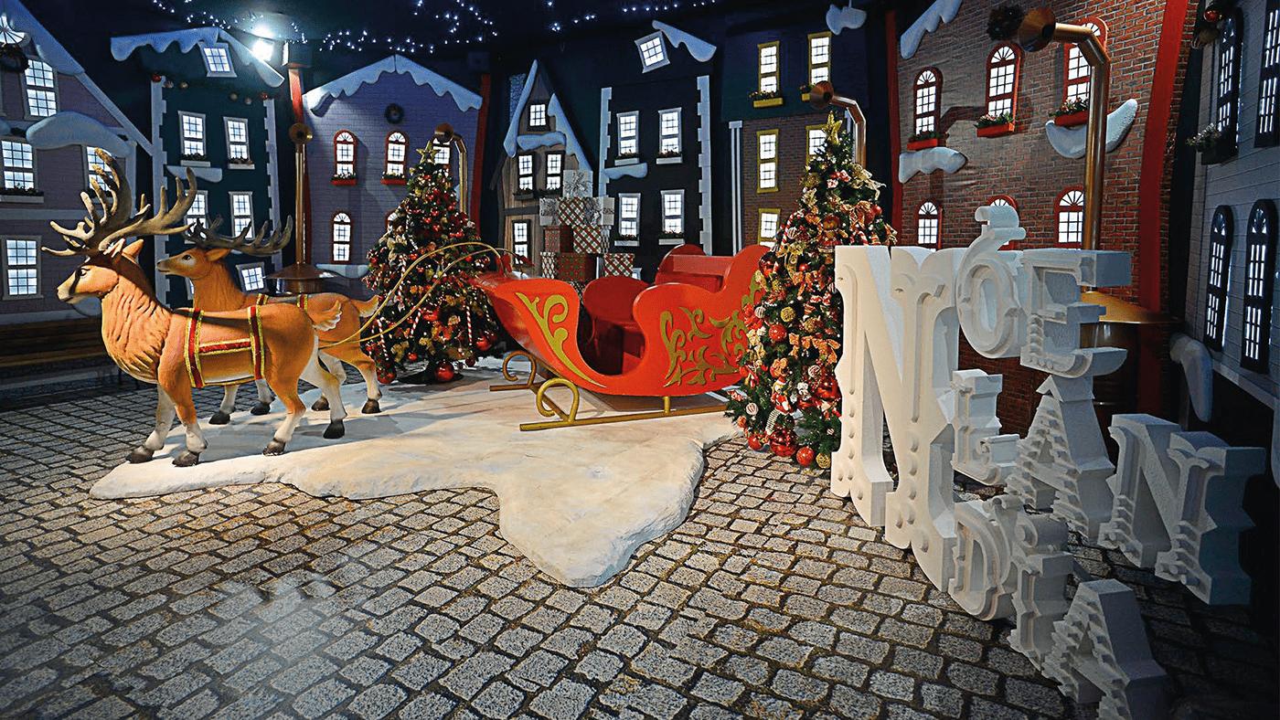 Image may contain: ground, christmas tree and cartoon