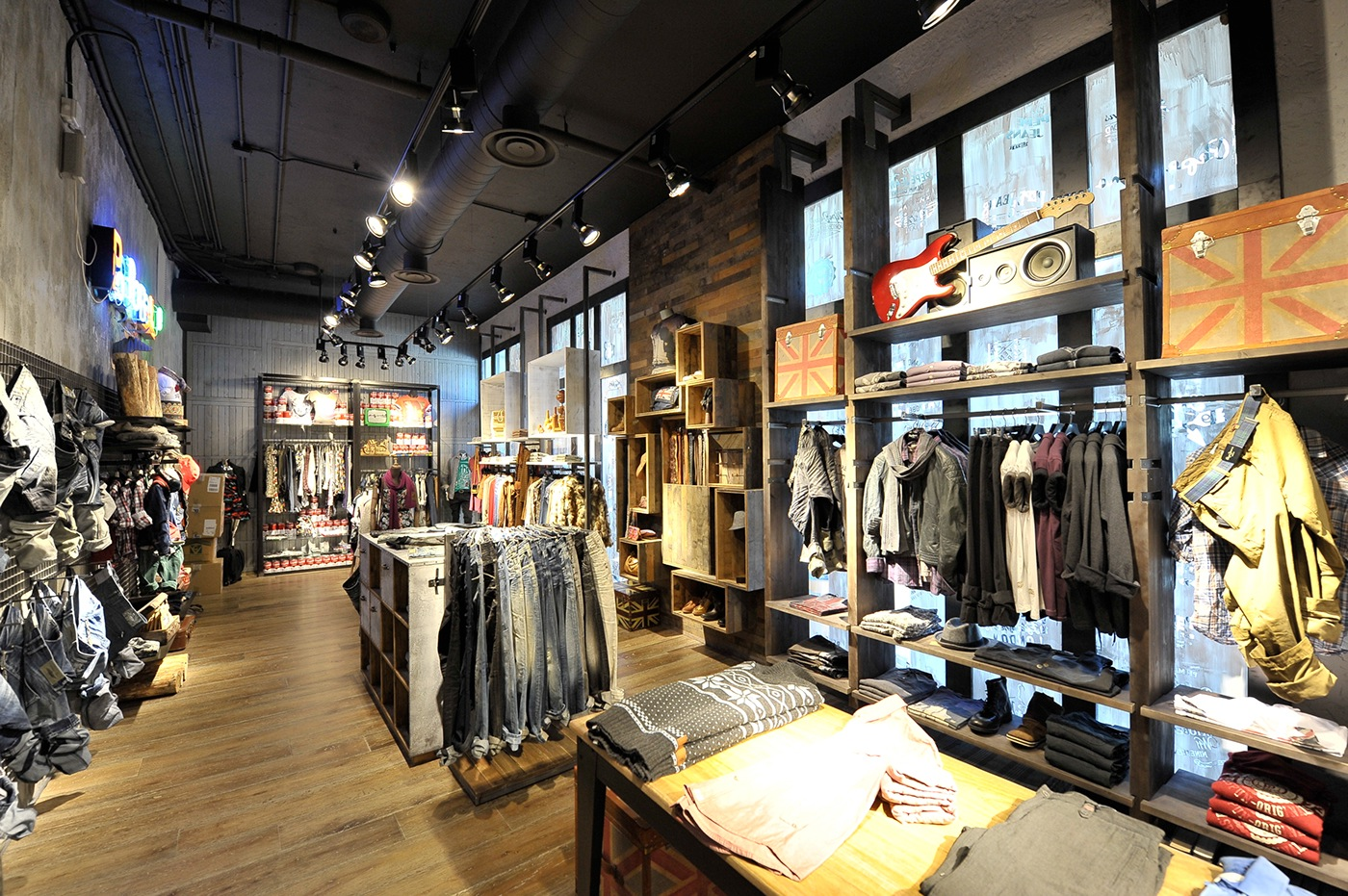 mock store pepe jeans madrid 2011 on behance. Black Bedroom Furniture Sets. Home Design Ideas