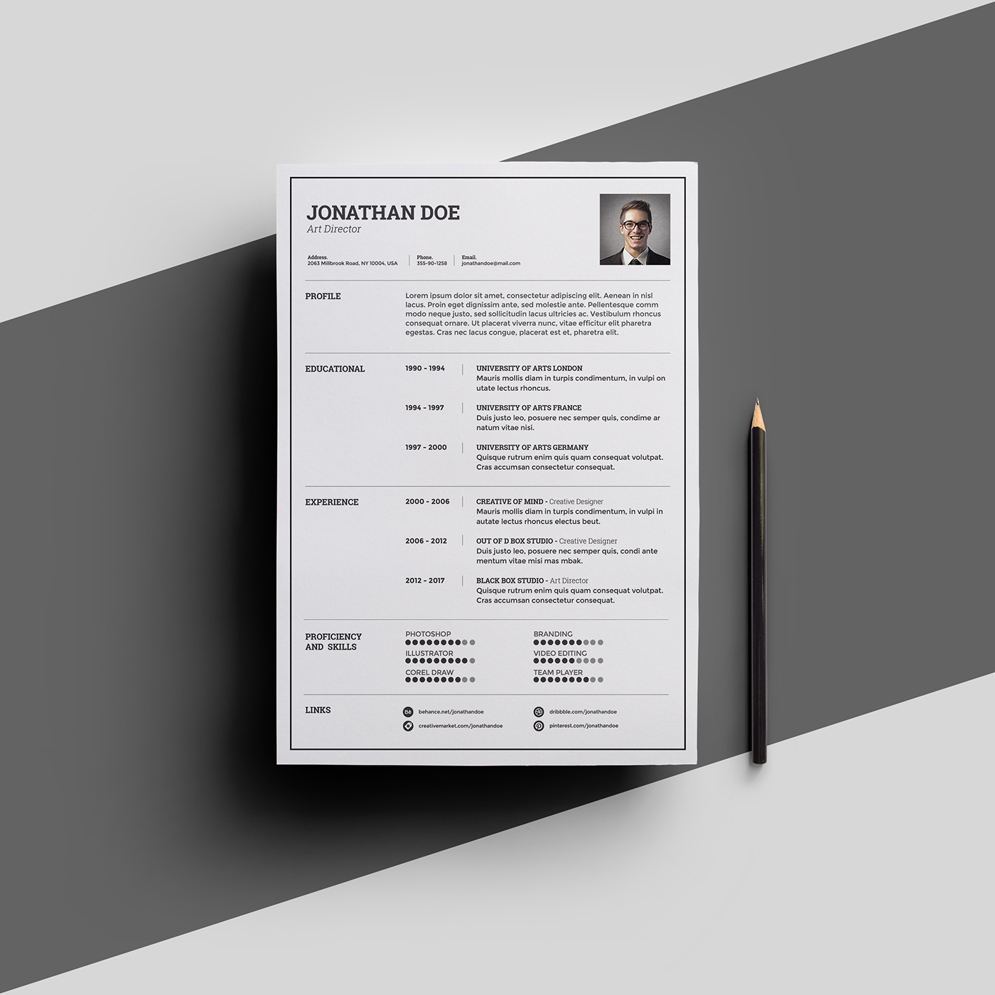 Freebies - Light Resume Template