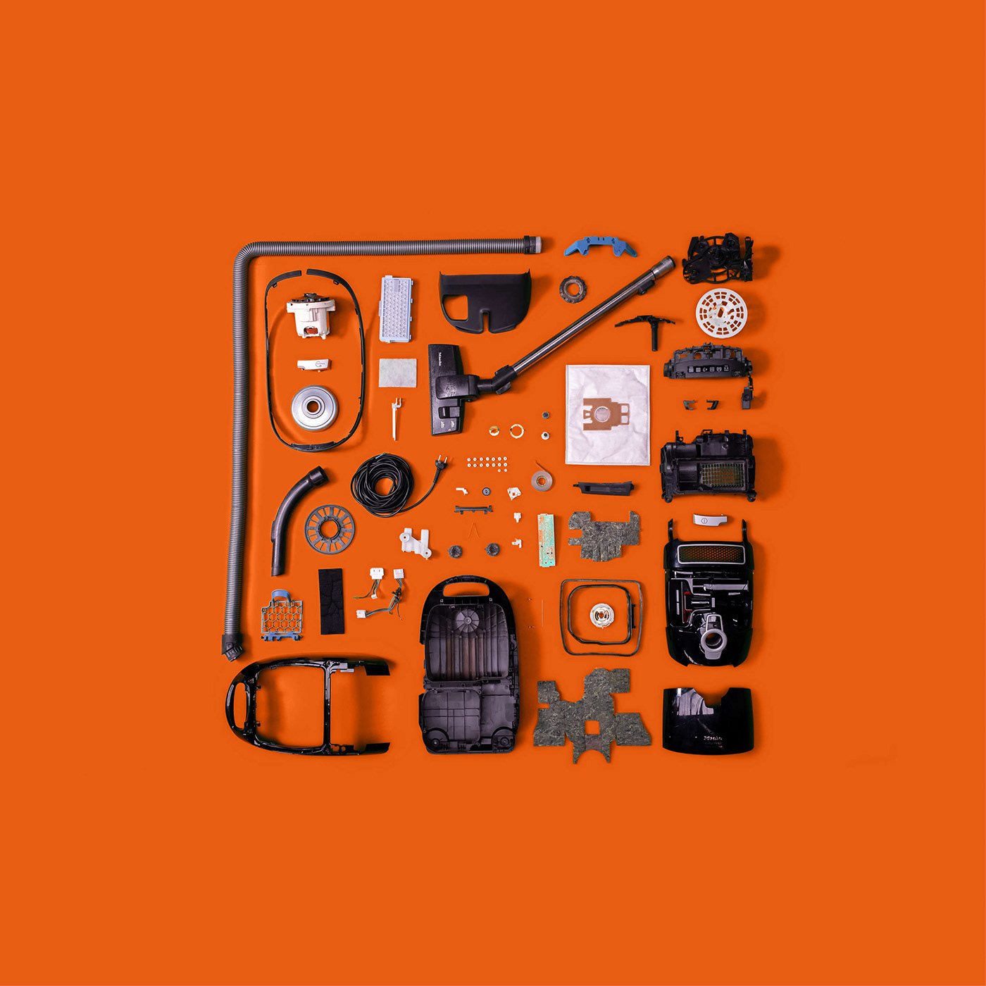 nthnrs design graphic Photography  Knolling weeelectric brandwebbing electric machines deconstruct