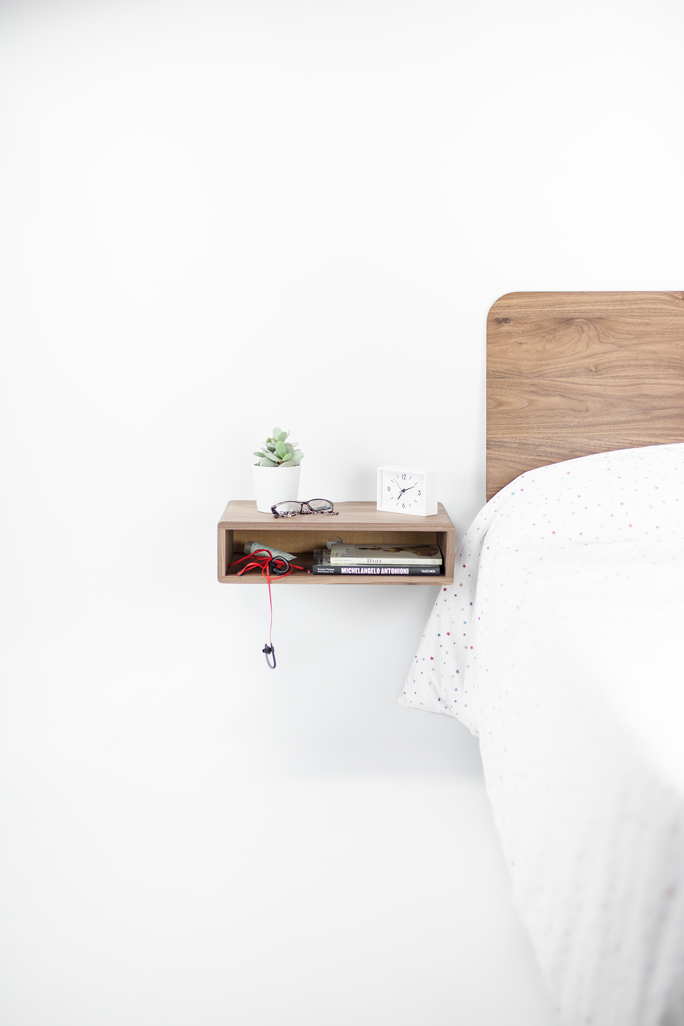 高品質的21款床頭櫃設計欣賞
