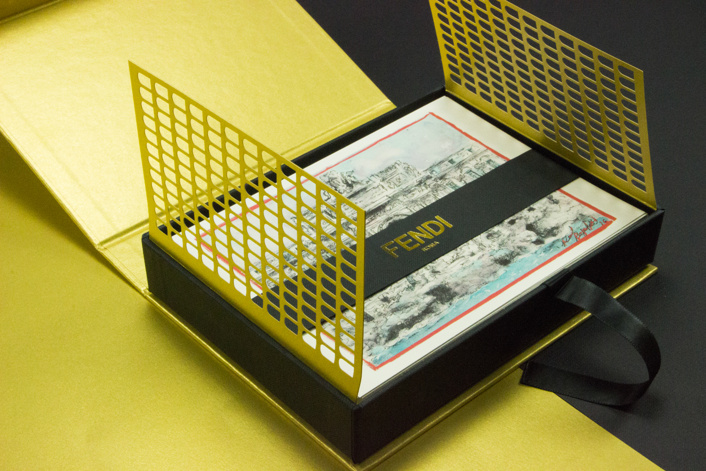 gold Packaging Printing Tecniques moda FASCHION creative inspire