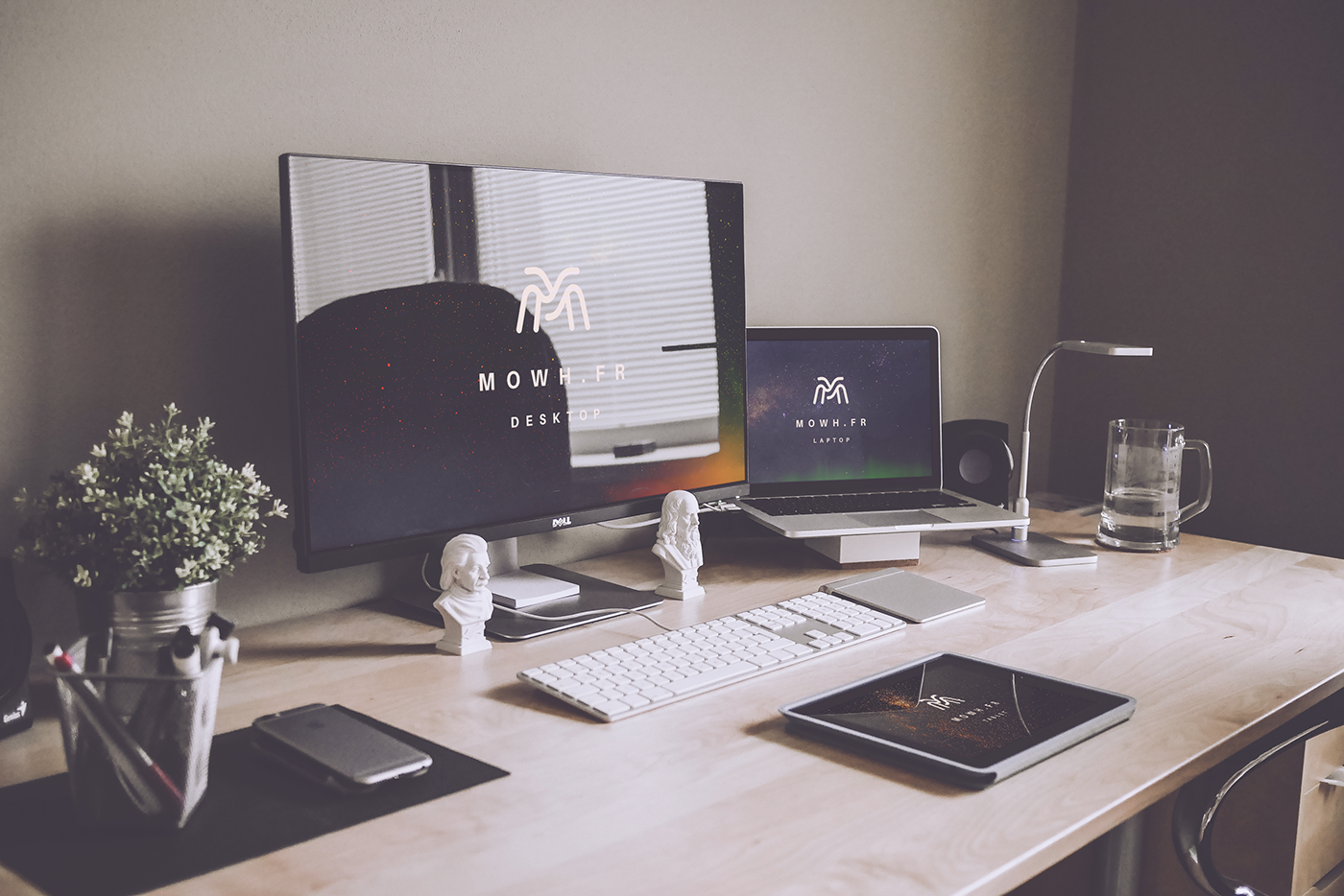 Mockup,macbook,dell,screen,iPad,tablet,Laptop,monitor,realistic