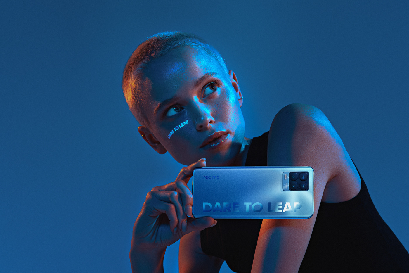 commercial commission Creative Photography dare to leap mobile brand neon portrait projection realme smartphone