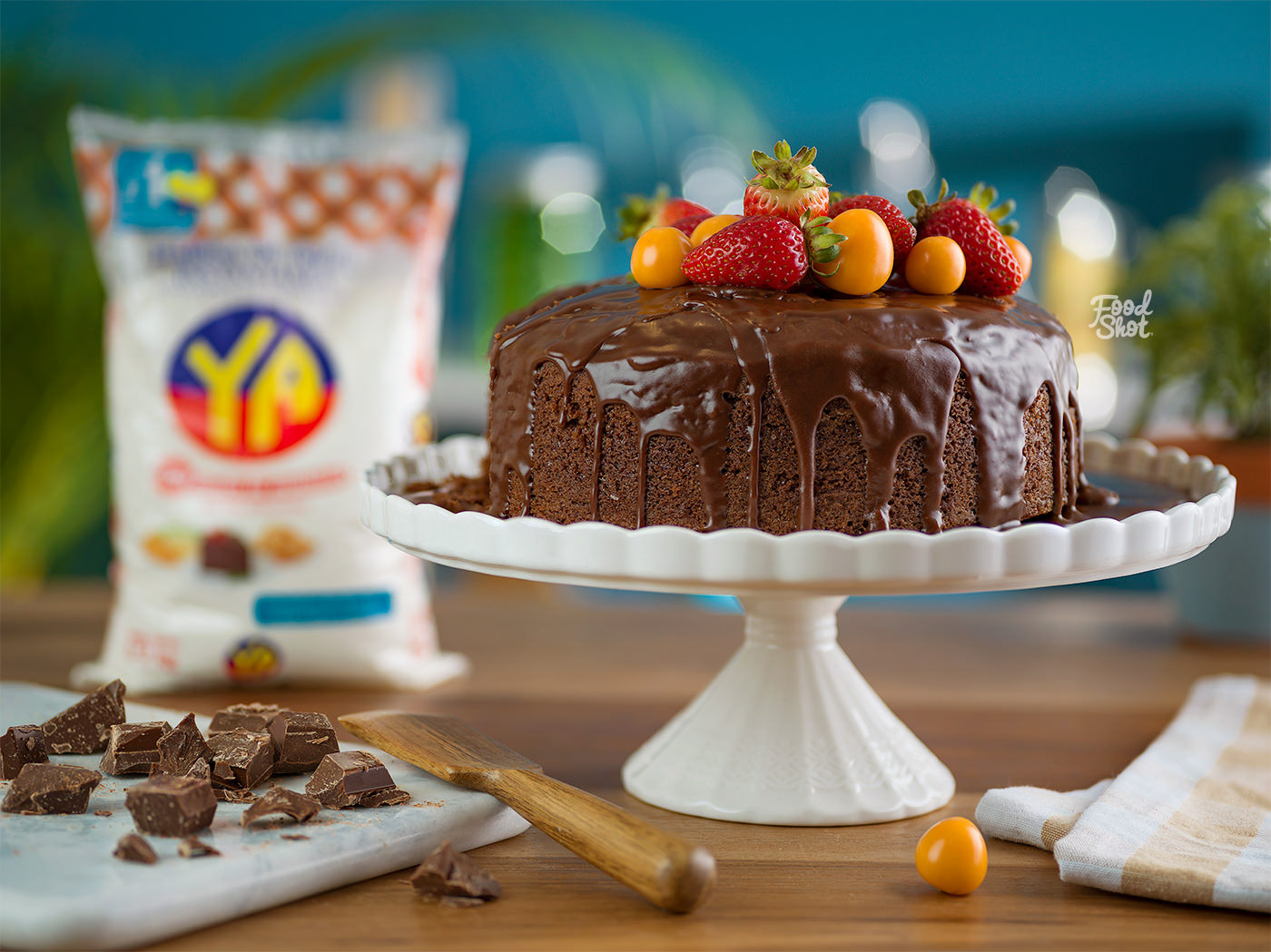 Image may contain: dessert, cake and birthday cake