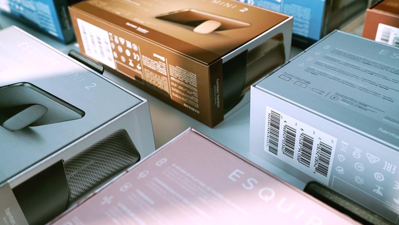 Harman Kardon esquire mini 2 Packaging Artwork Layout graphic design  lifestyle audio packaging design