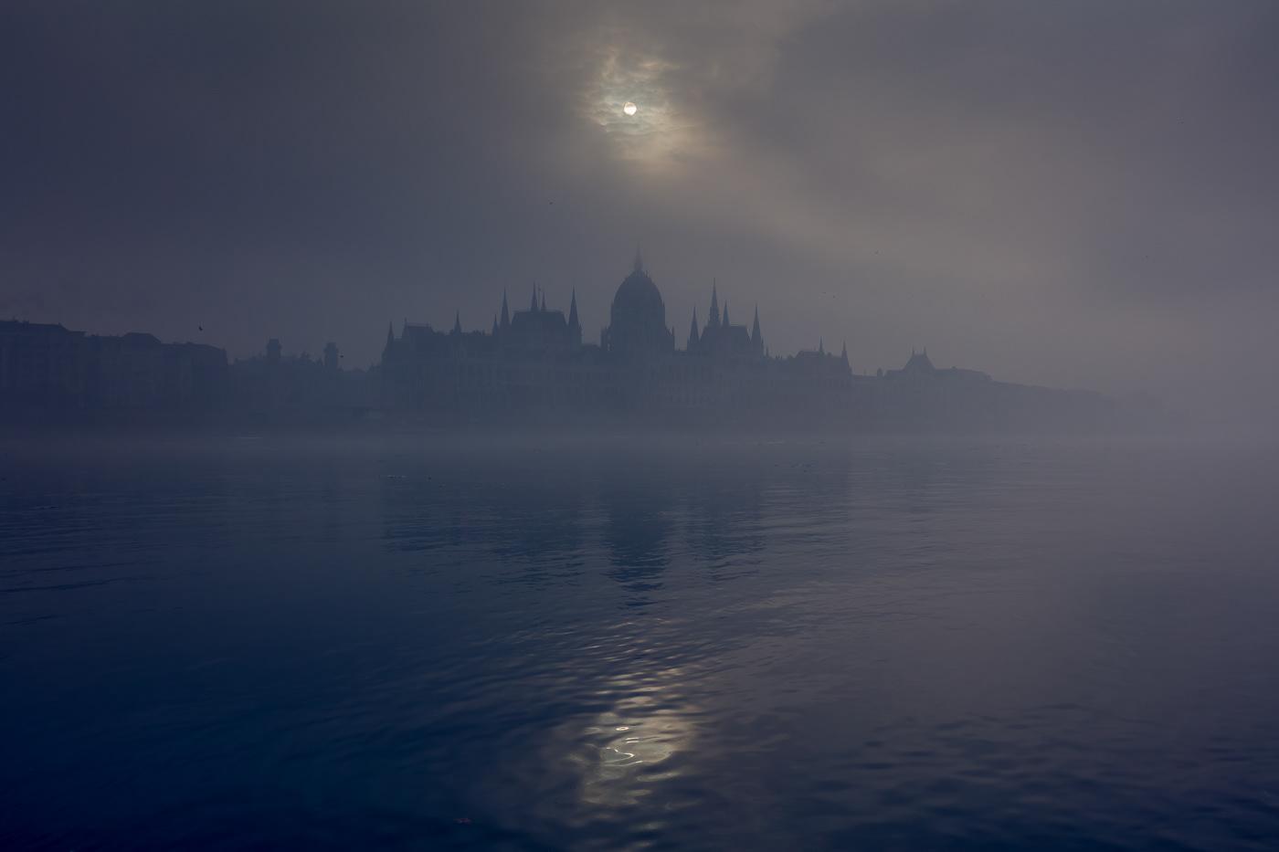 Photography  Nature Landscape mist fog mood Street Minimalism lumas