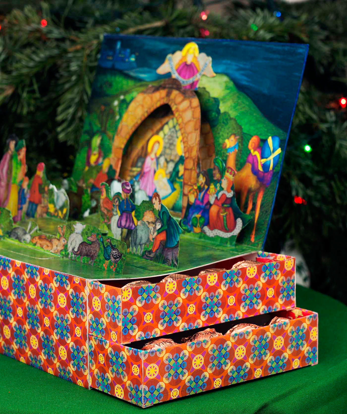 Nativity Pop UP cards gift paper engineering pop-up greetings creche Christmas Merry Christmas hand craft chocolate box