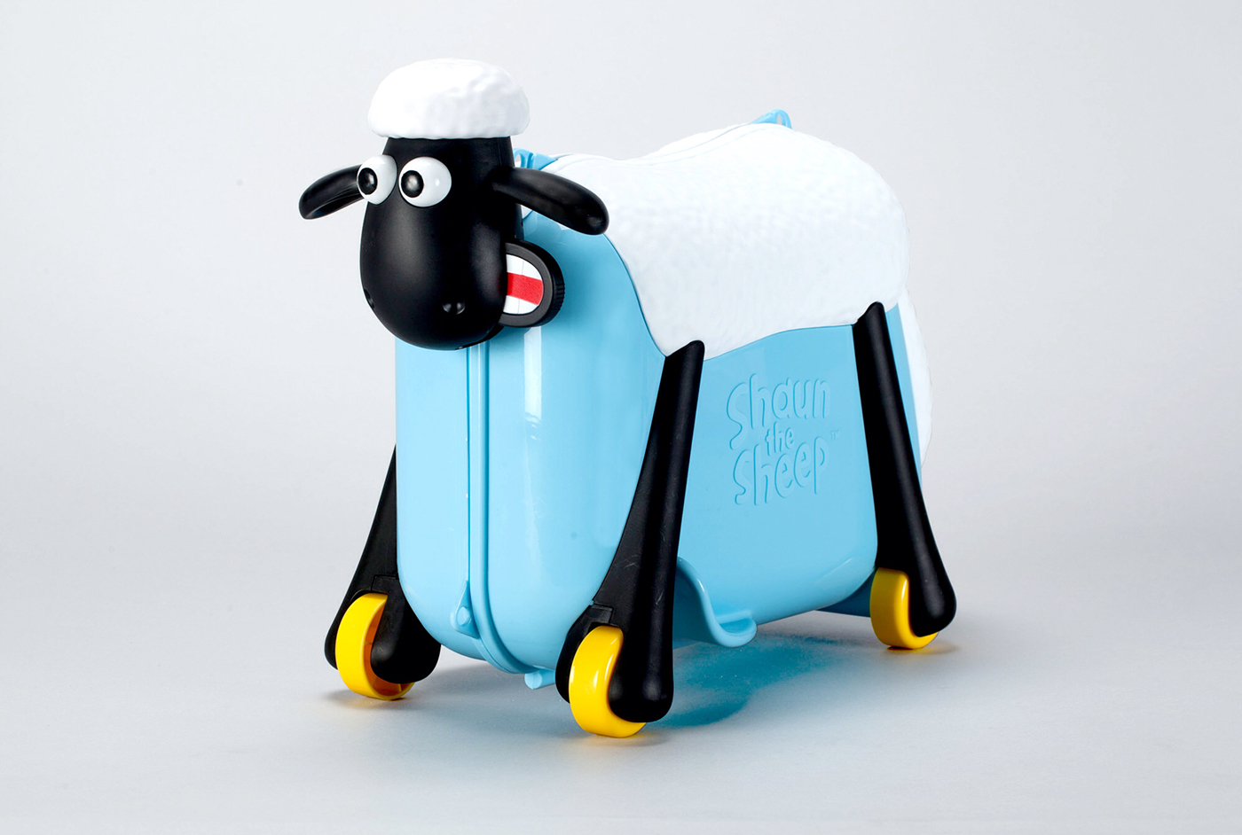 Shaun the sheep kids ride on suitcase on behance for Motorized ride on suitcase