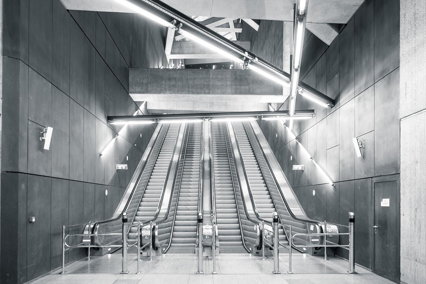 subway,underground,transportation,publictransportation,hungary,budapest,m4,metro,statue,NewCity