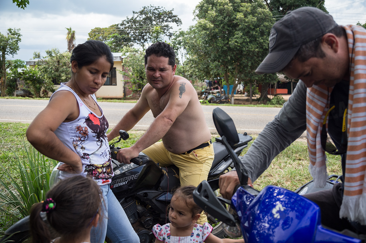 llano colombia Arauca  ELN casanare llanero chimo Cockfight rabo de toro
