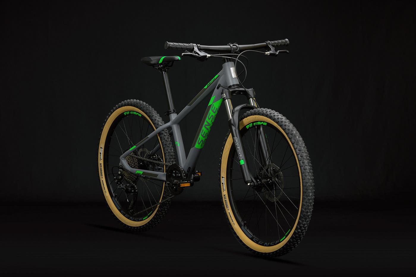 ALLOY BICYCLE bicicleta Bicycle Bicycle Design Delfino Design design de produto Gabriel Delfino industrial design  stickers Transportation Design