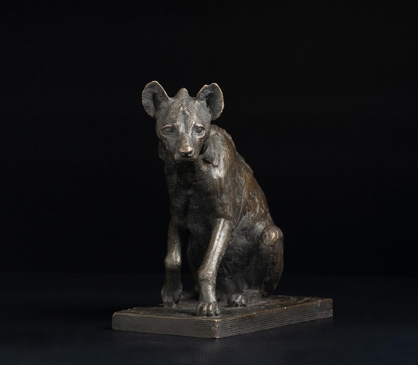 animal sculpture bronze Figure sculpture fine art moldmaking sculpture Spotted Hyena