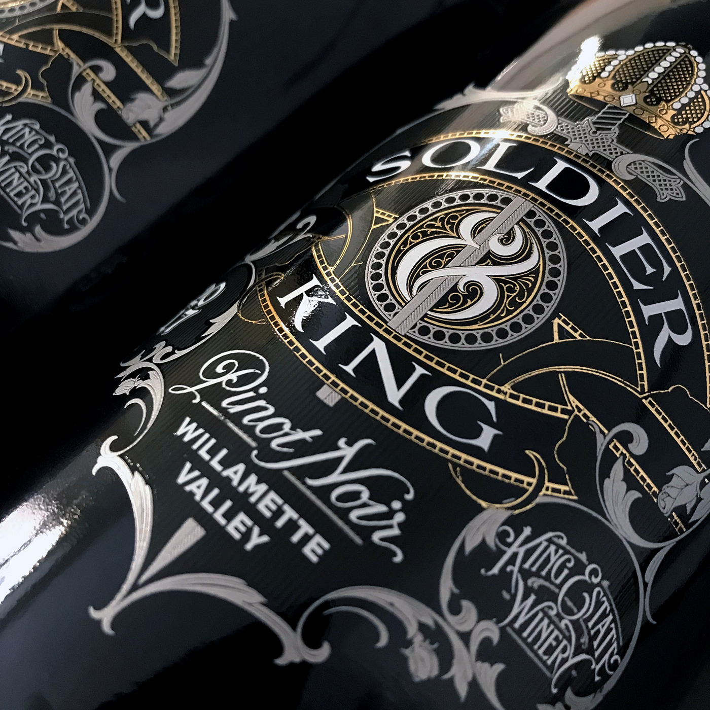 schmetzer soldier & king wine Label design Packaging screen printed King Estate pinot noir