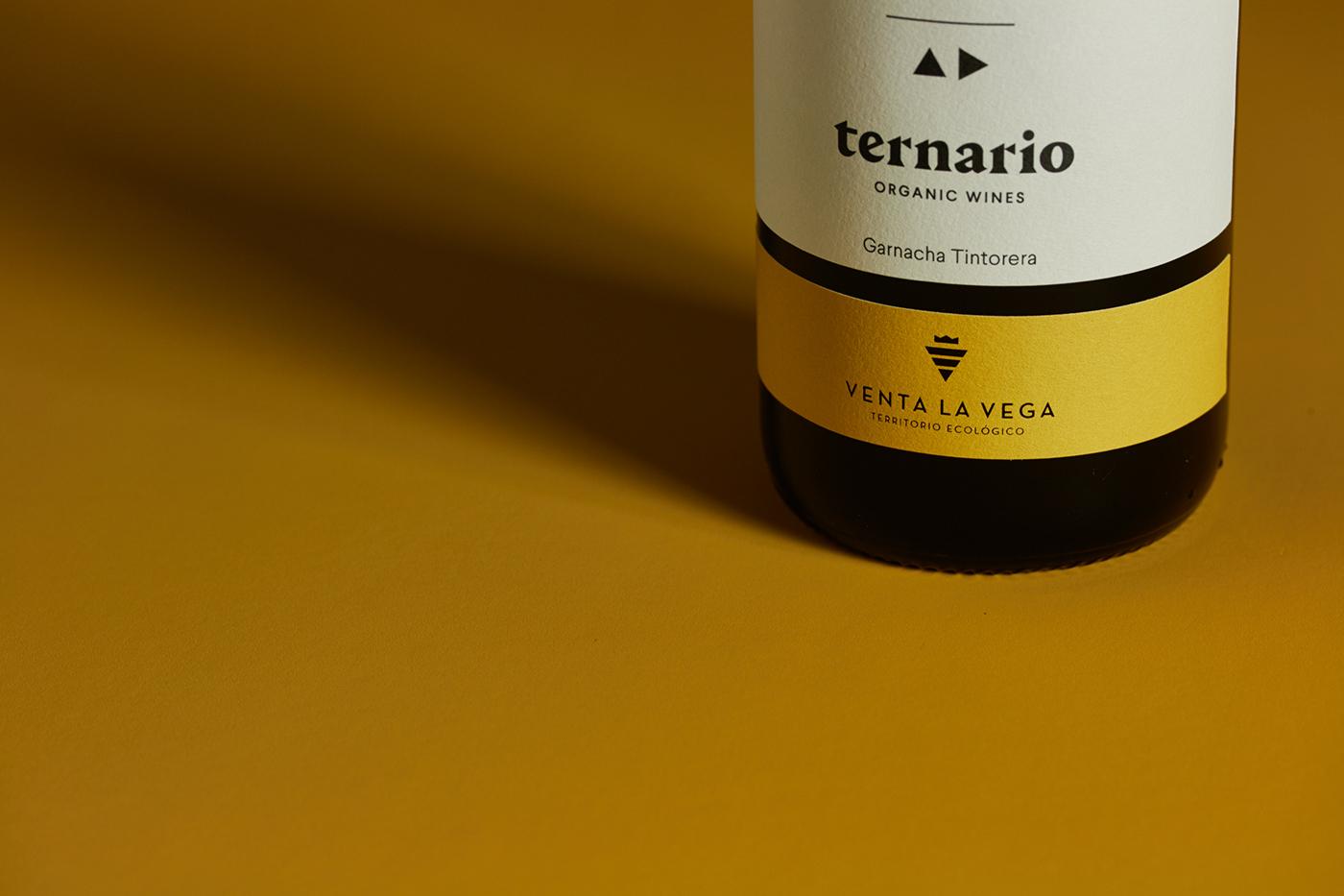 wine Label Red wine organic wine triangle vino etiqueta three organic lettering