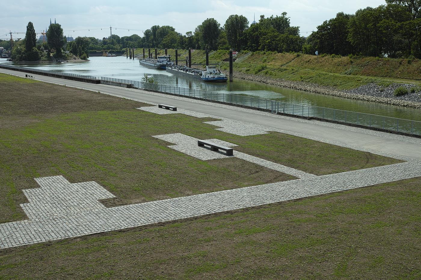 betonbank / concrete bench lige, rheinboulebard cologne on behance