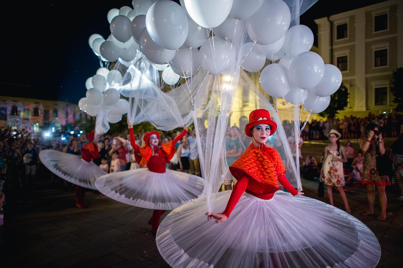 light festival lightfestival art artistic actors cultural balloons Acrobatic