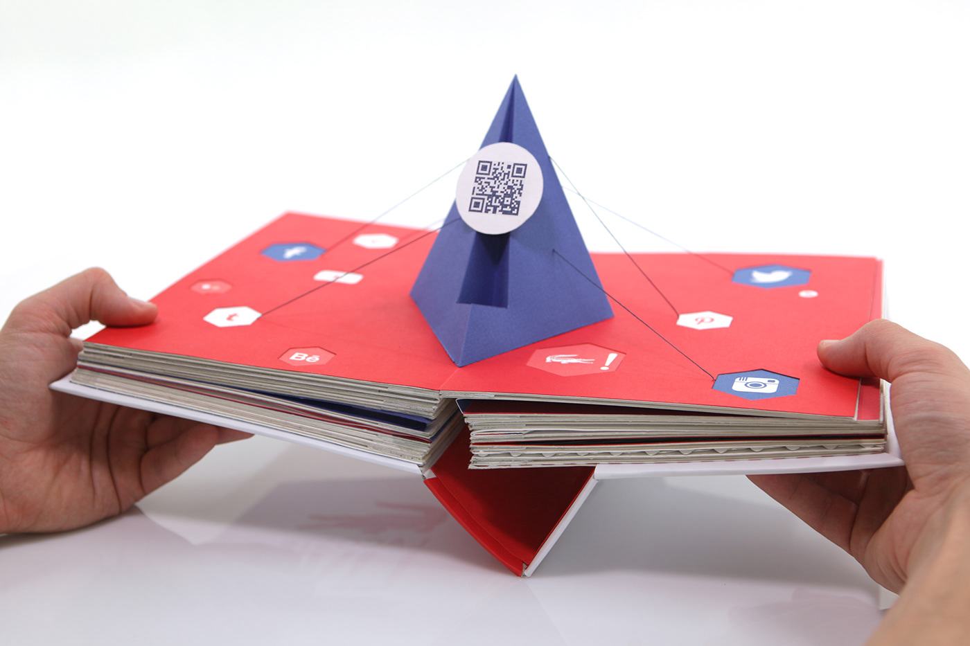 paper pop-up red blue White crocodile book connected colors hand made