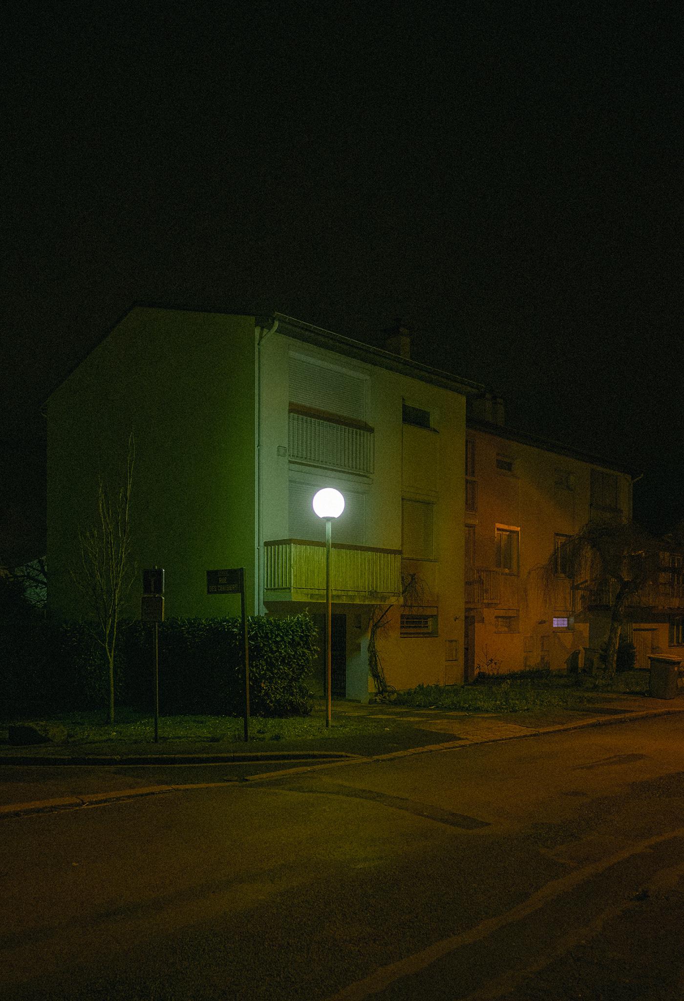cergy glow life light neon night Paris reportage street photo