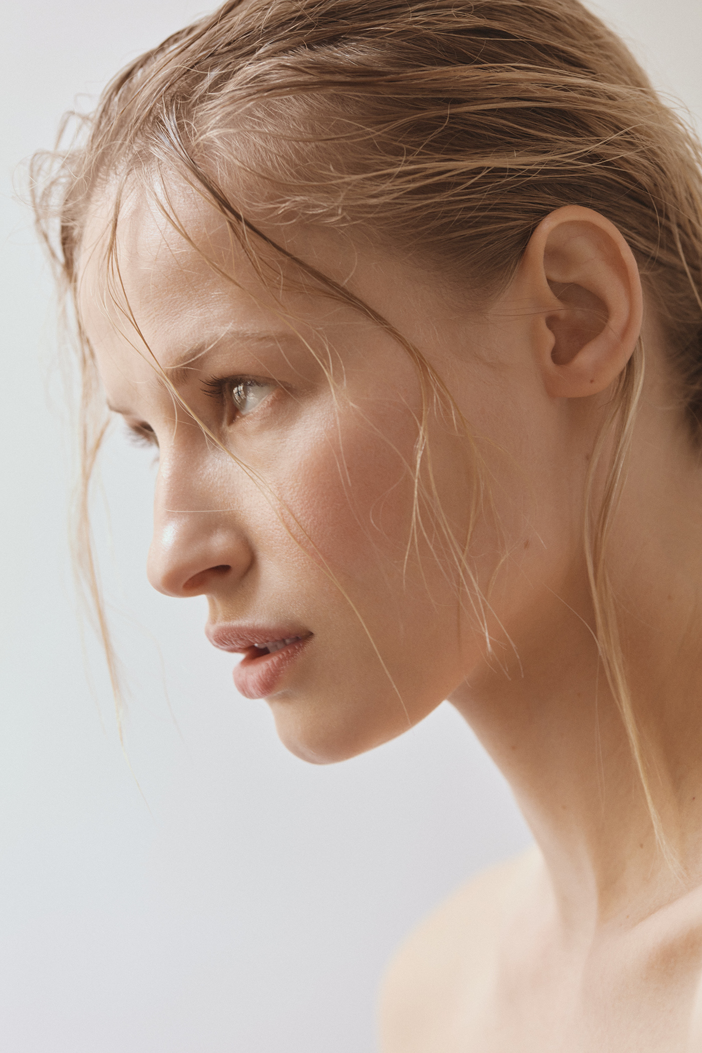 beauty natural nude portrait wet wet look