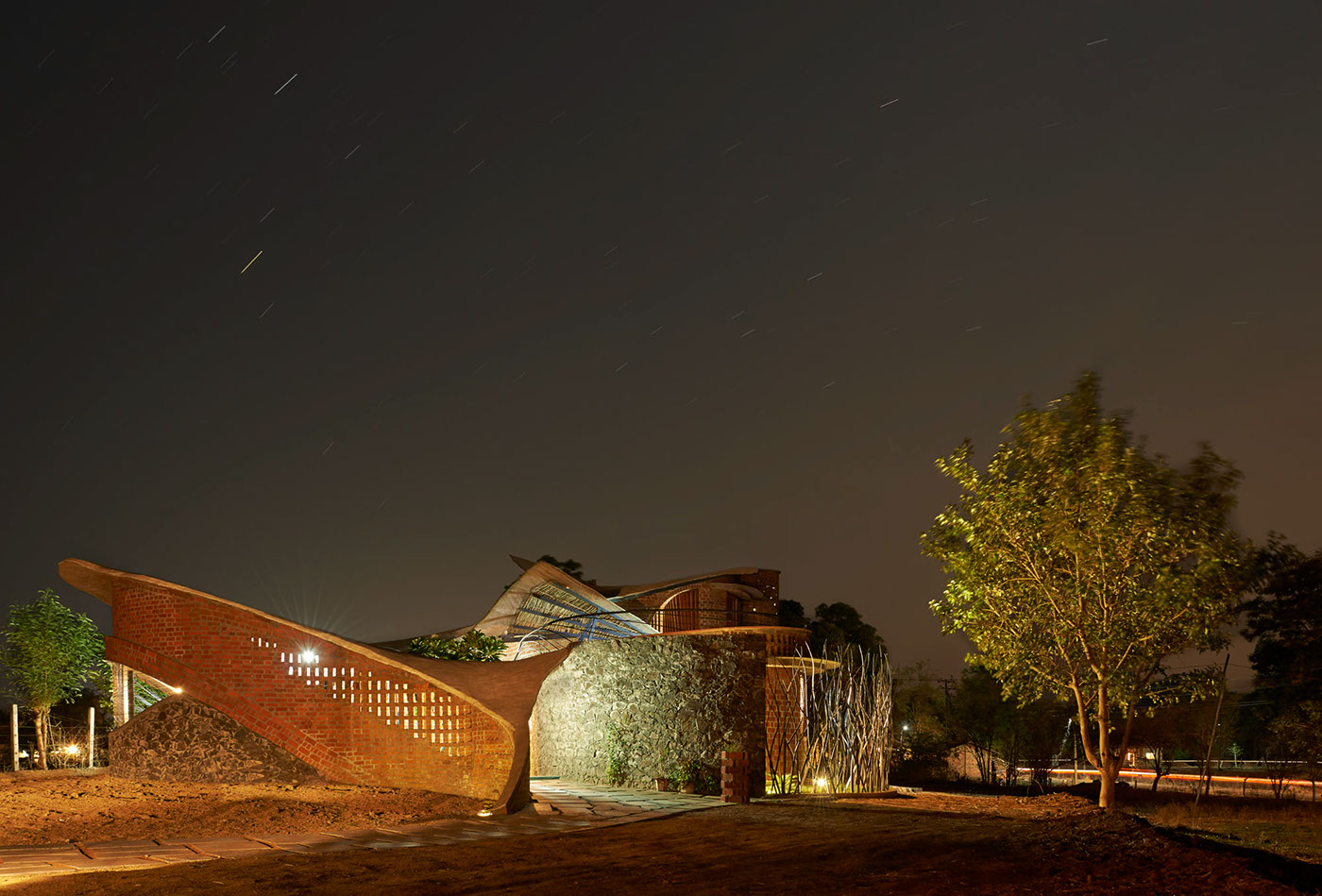 birck,arch,laurie baker,nari gandhi,stone,curved,organic architecture,design