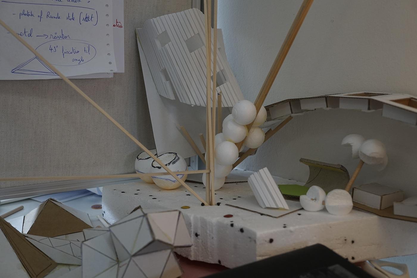 TRIPOTI - lamp installation on Behance