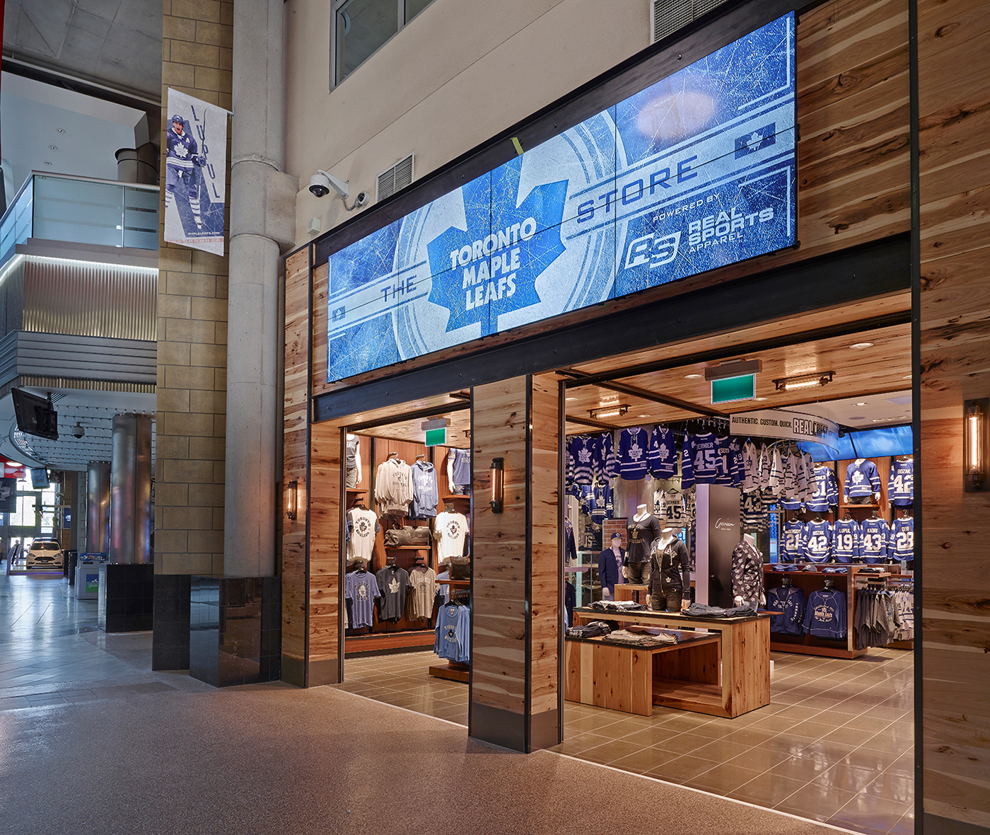 Located at Gate 1, in Scotiabank Arena's Galleria, Real Sports Apparel offers the most authentic sports retail experience outside of the locker room. Just steps from the ice and the court, Real Sports Apparel brings fans closer to the action in a degree mecca to the Toronto Maple Leafs, Toronto Raptors, Toronto FC and Toronto Marlies.