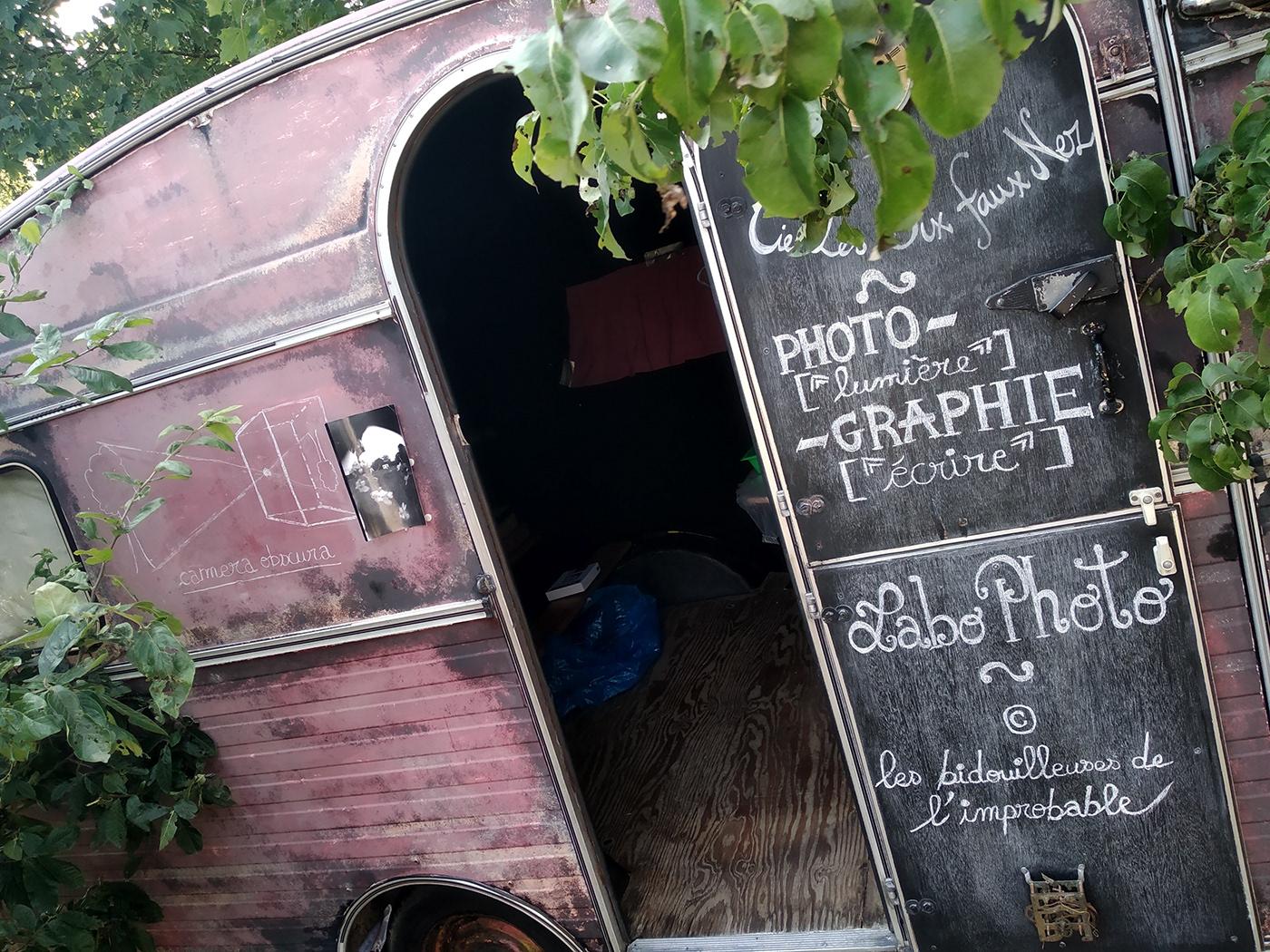 Pinhole caravan workshop. Festival l'Allumette en fête. Photographs, handwritten font: Laurène Beuck