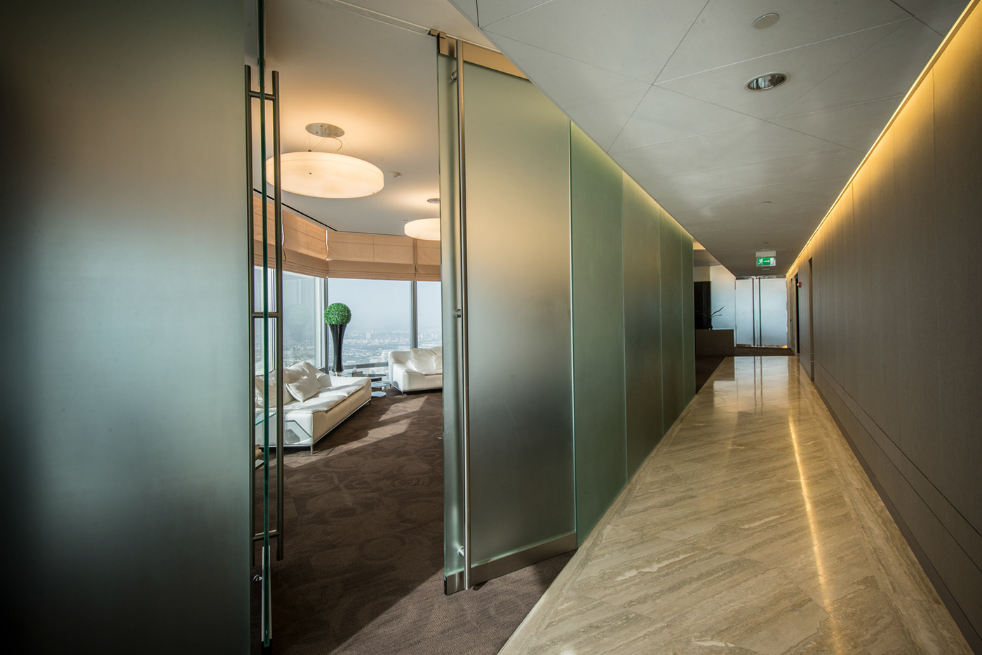 Burj Khalifa Office Designed And Executed By Cambridge On