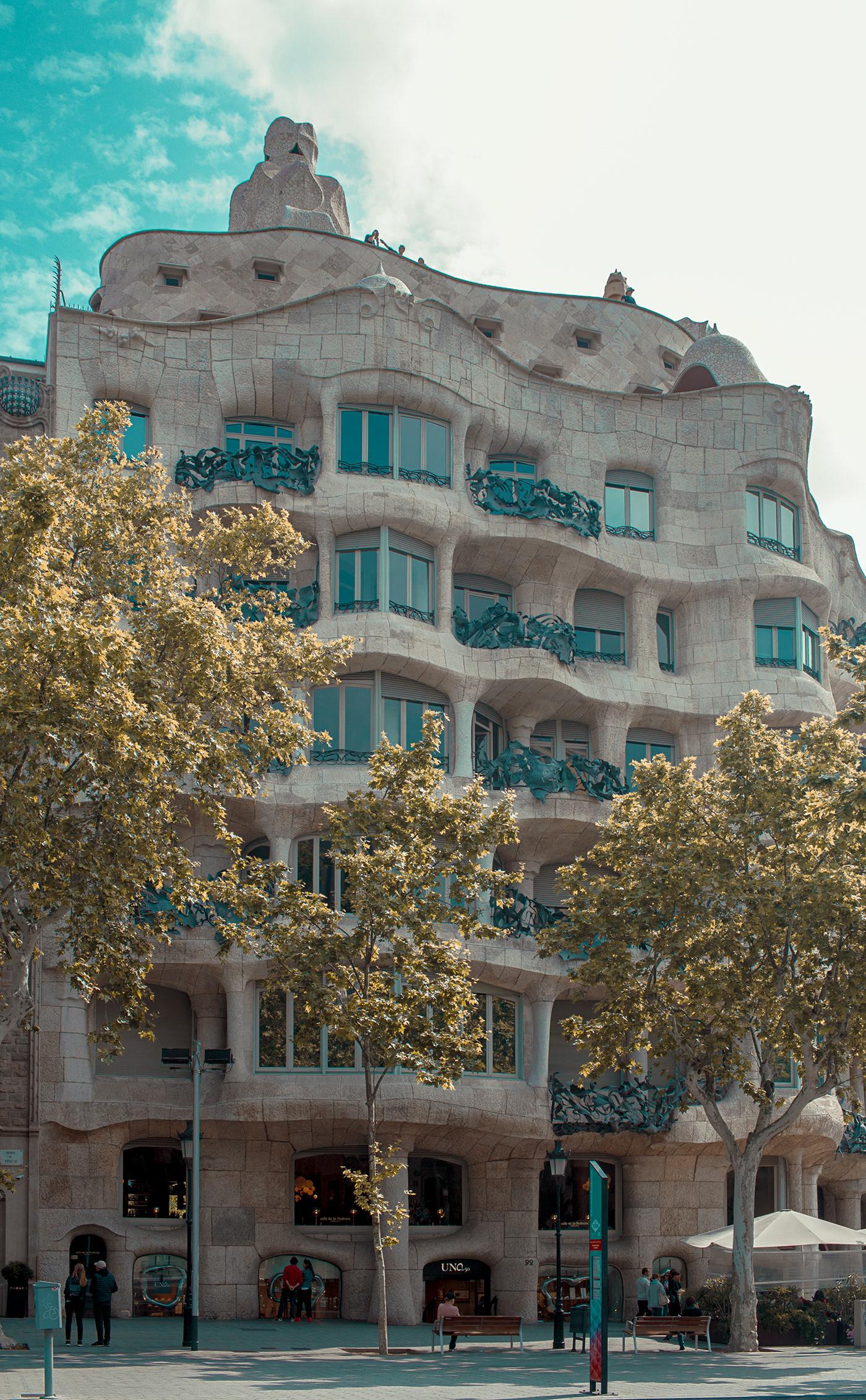 barcelona architecture city wes anderson Gaudi geometric colorful cyan rambla streets