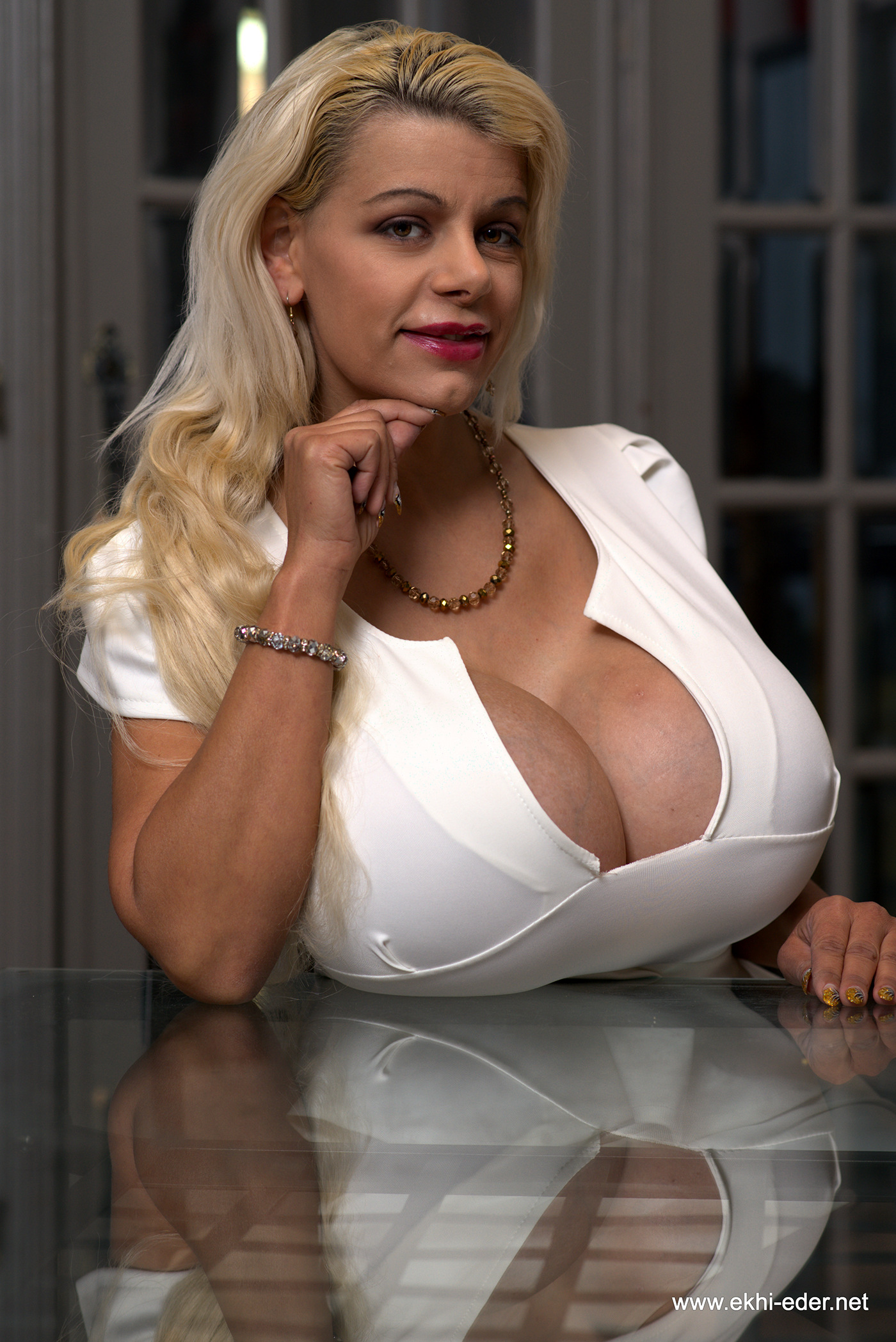 Huge natural titted beauty terry nova