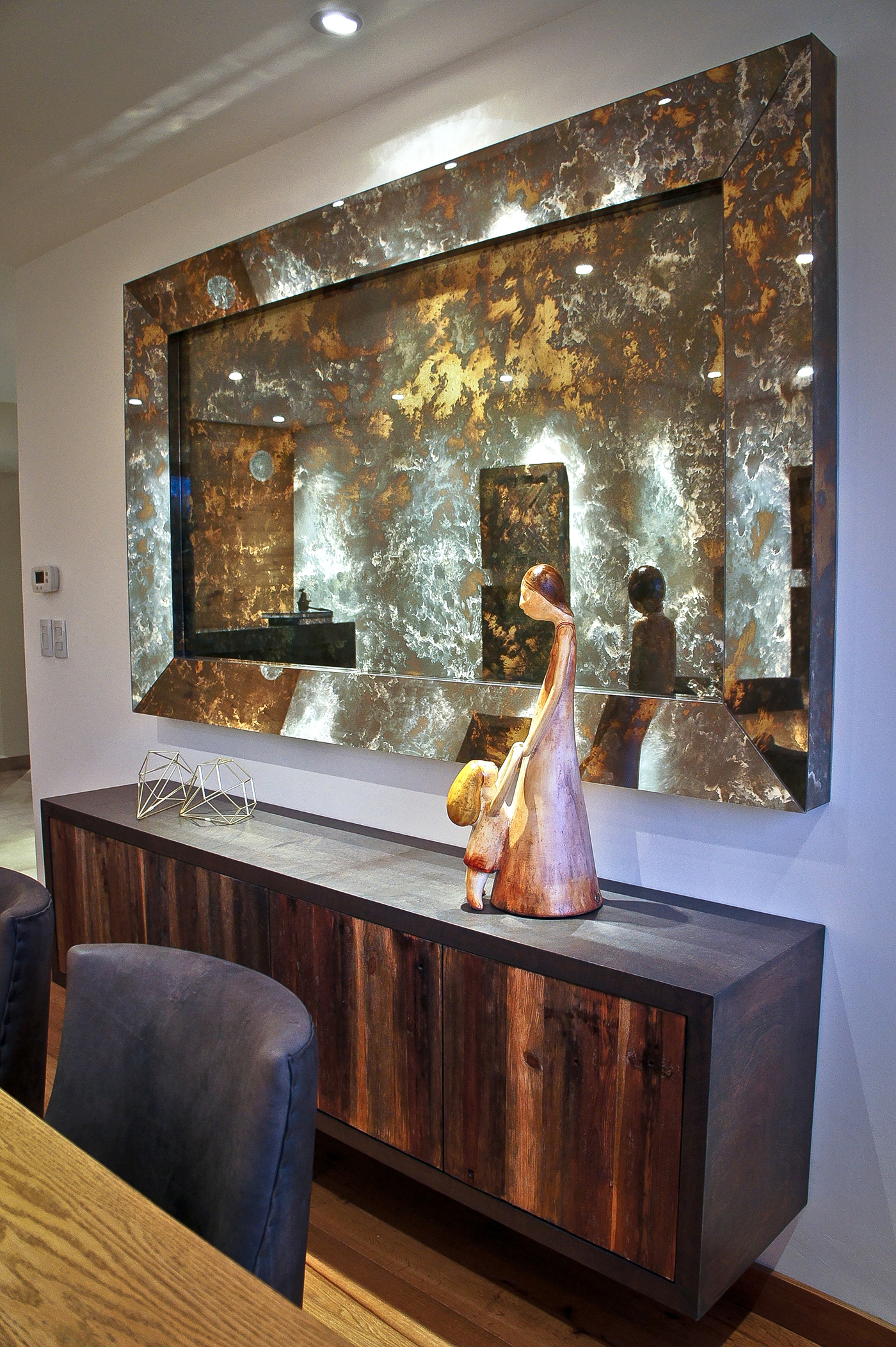 wood,FLOOR,concrete,mirror