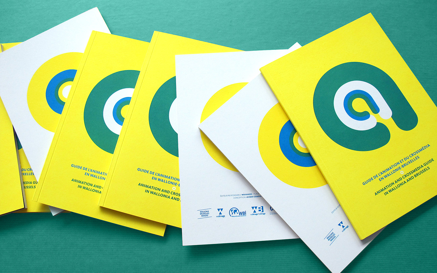 Booklet Guide fluorescent pantone recycled paper thread sewn
