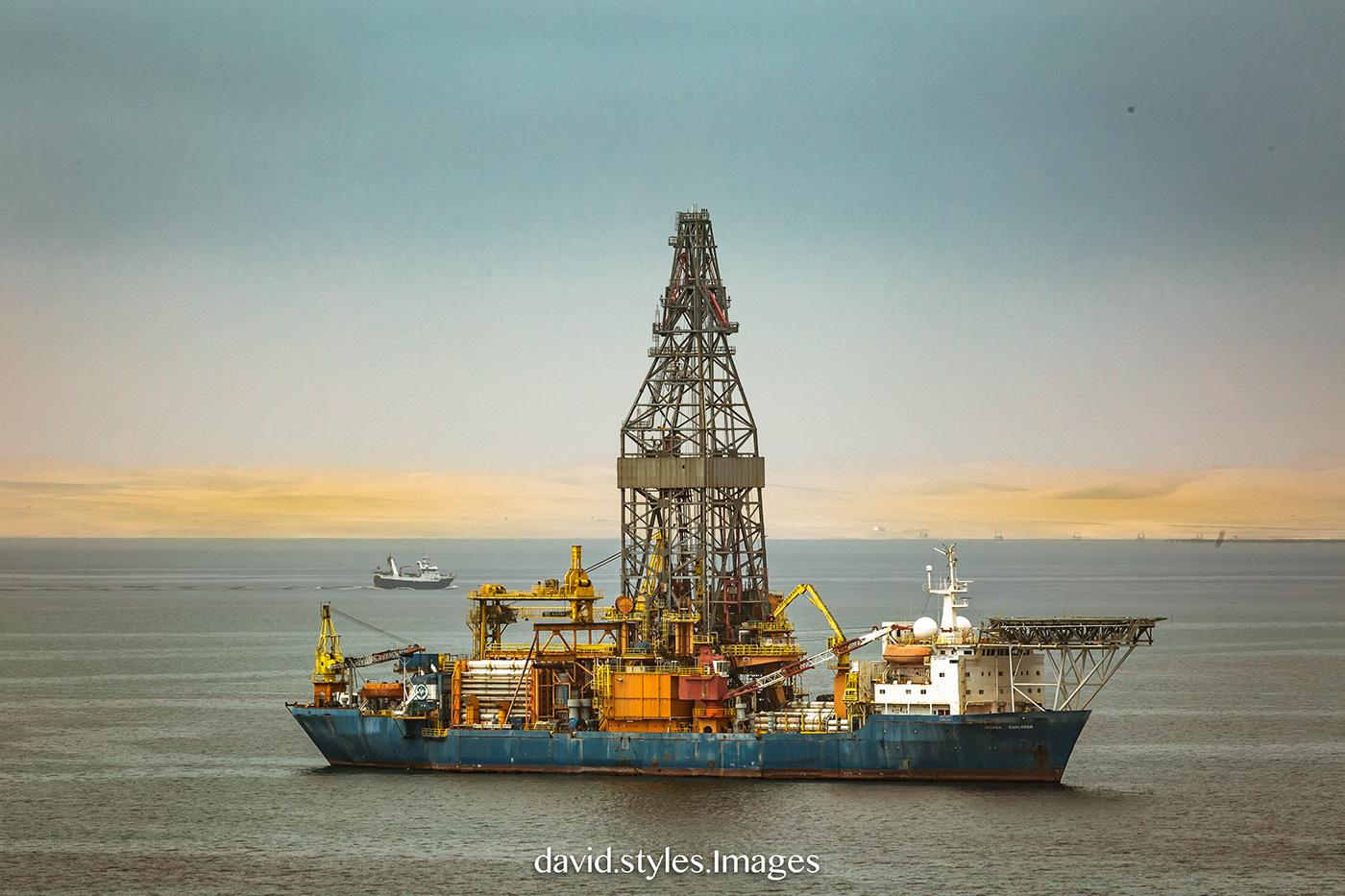 Adobe Portfolio OIL AND GAS offshore Semi-submersible maritime exploration drillingrig rig Offshore Vessels jack-up drilling rig drilling petroleun OilandGas dril drill