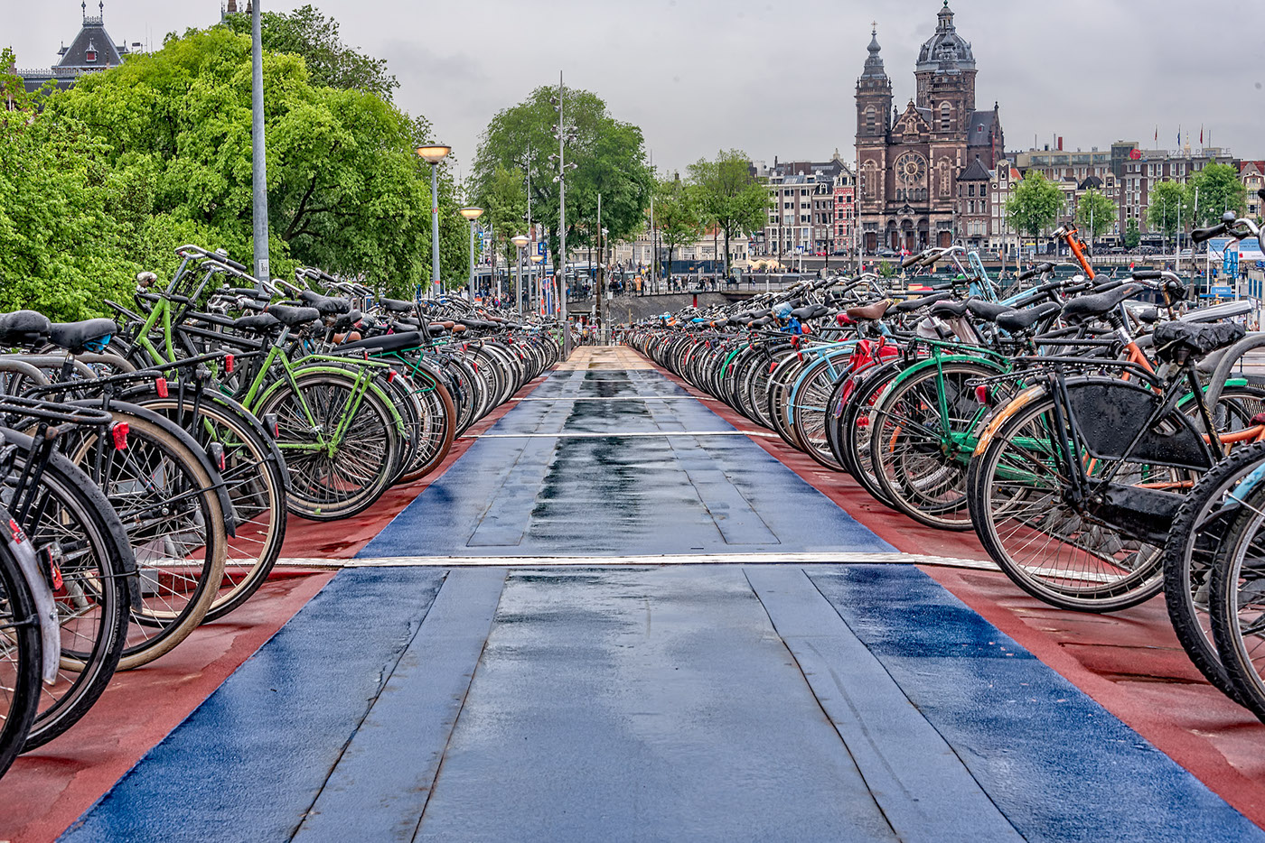 amsterdam Bicycles canals train station