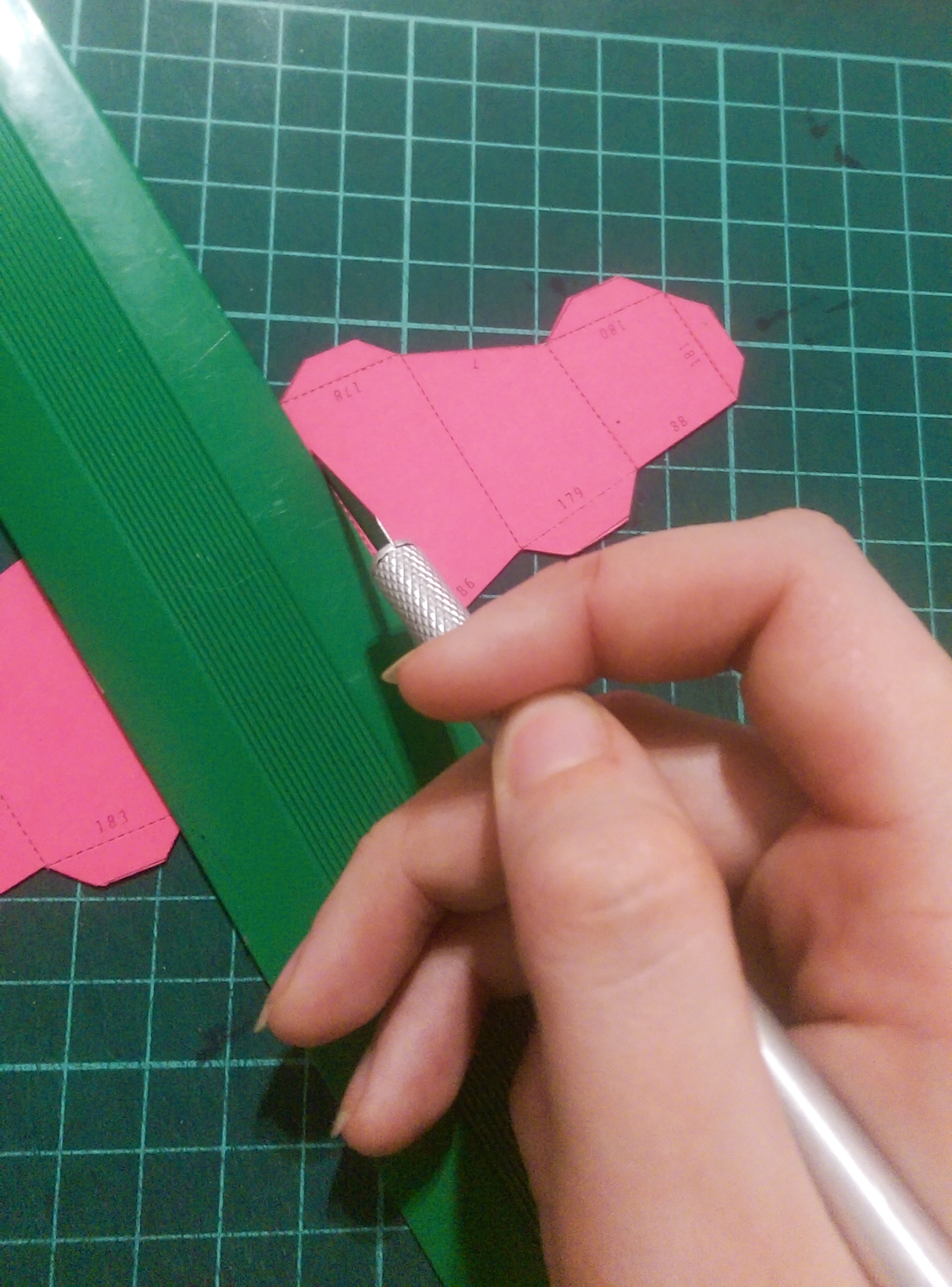 How To Create 3d Paper Sculptures With Your Own Hands On Behance Origami Small Swan Assembly Diagram For Beginner Tutorial