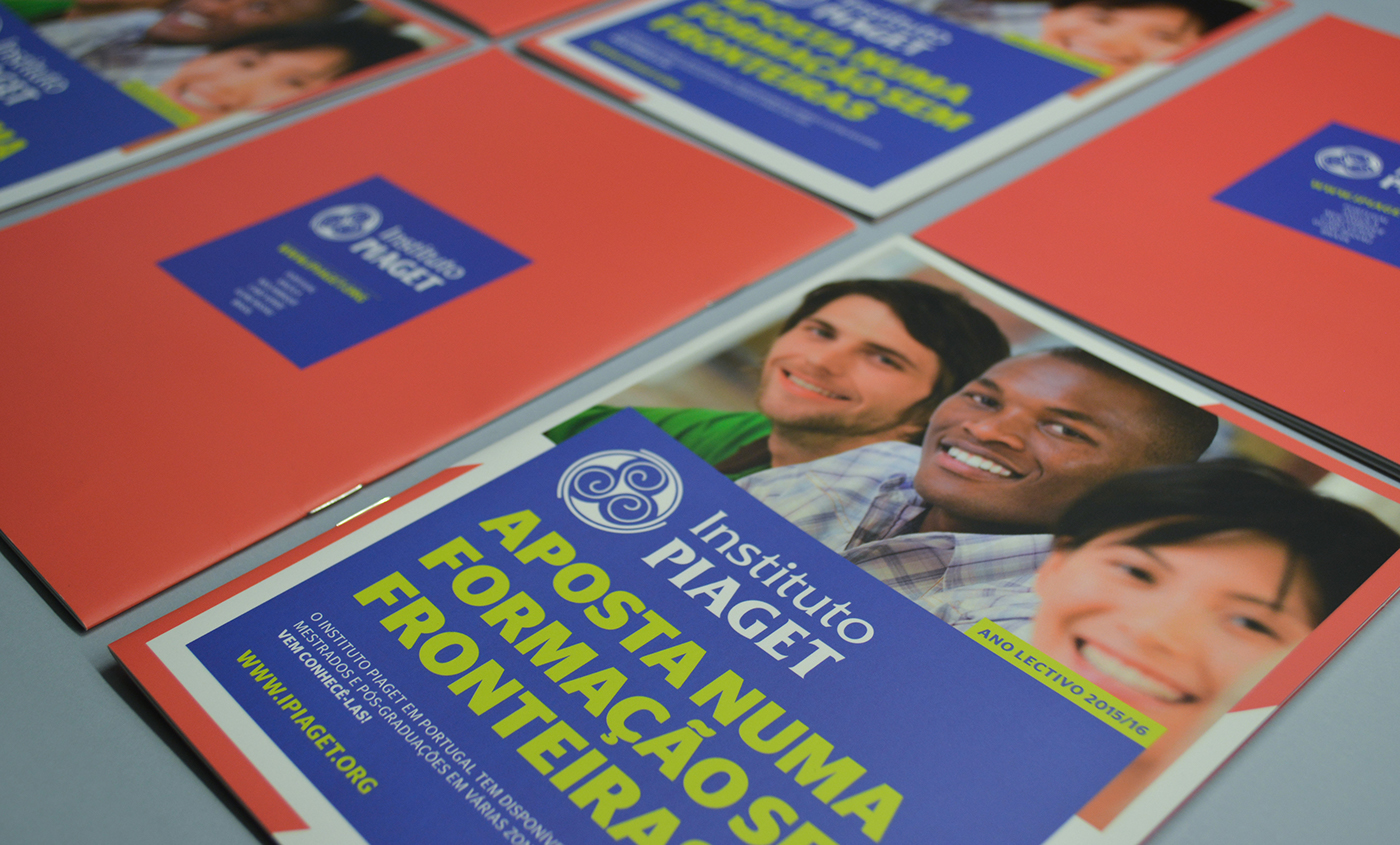 educational brochure graphic design piaget