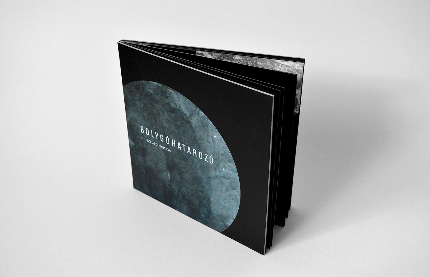 book Bookdesign graphicdesign pattern Planets ILLUSTRATION  experimental typography   science fiction