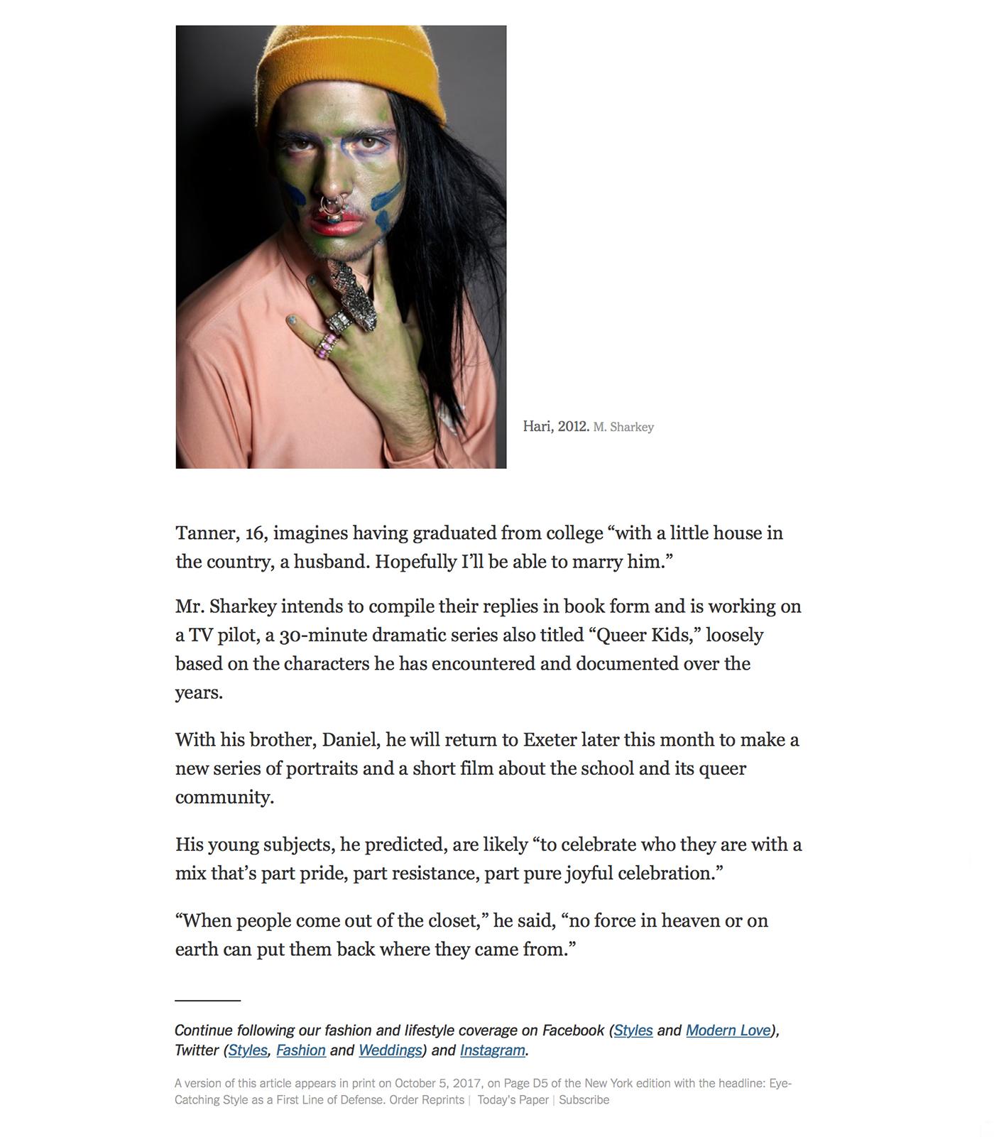 Femme Ronde Naturiste Sexy Et Nue En Pleine Nature, Plage