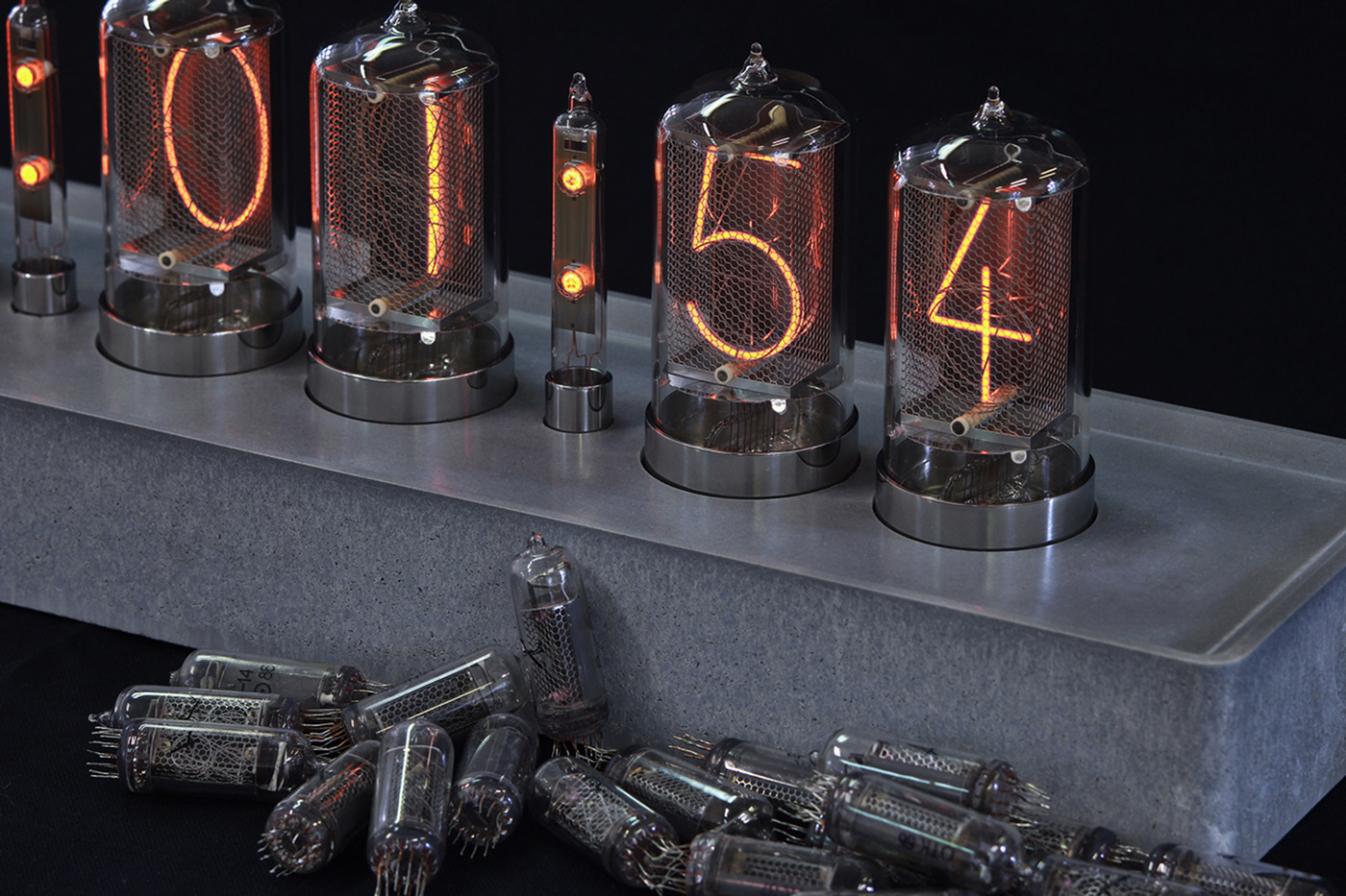 nixie tube daliborfarny tomasvacek gravelli studiovacek vacekdesign clock concretedesign cementi