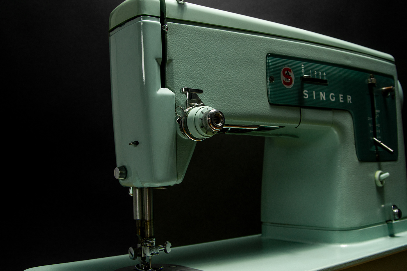 packshots Photography  Product Photography Retro sewing machine Singer